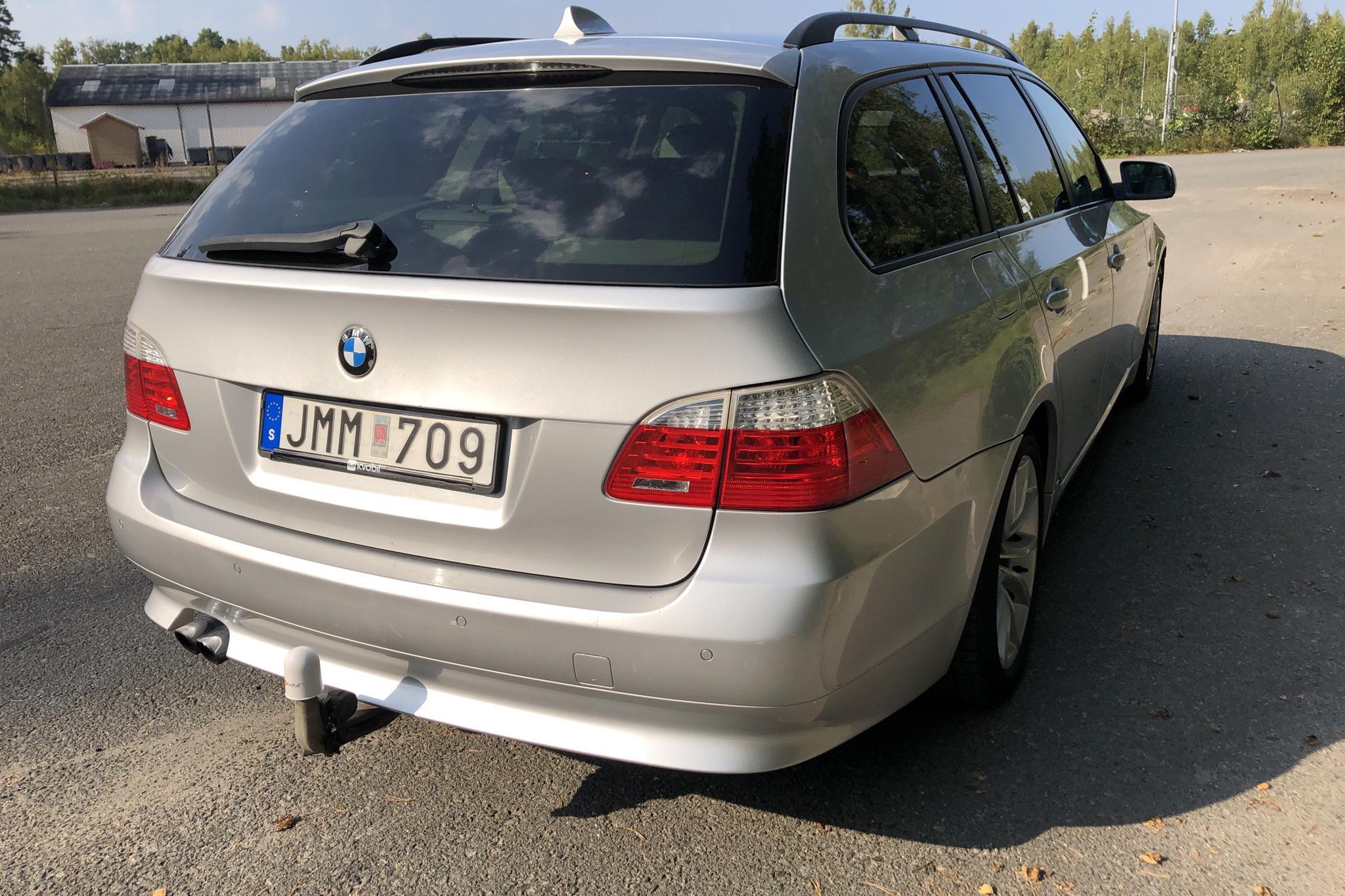 BMW 530i Touring, E61 (272hk) - 22 042 mil - Automat - Light Grey - 2008