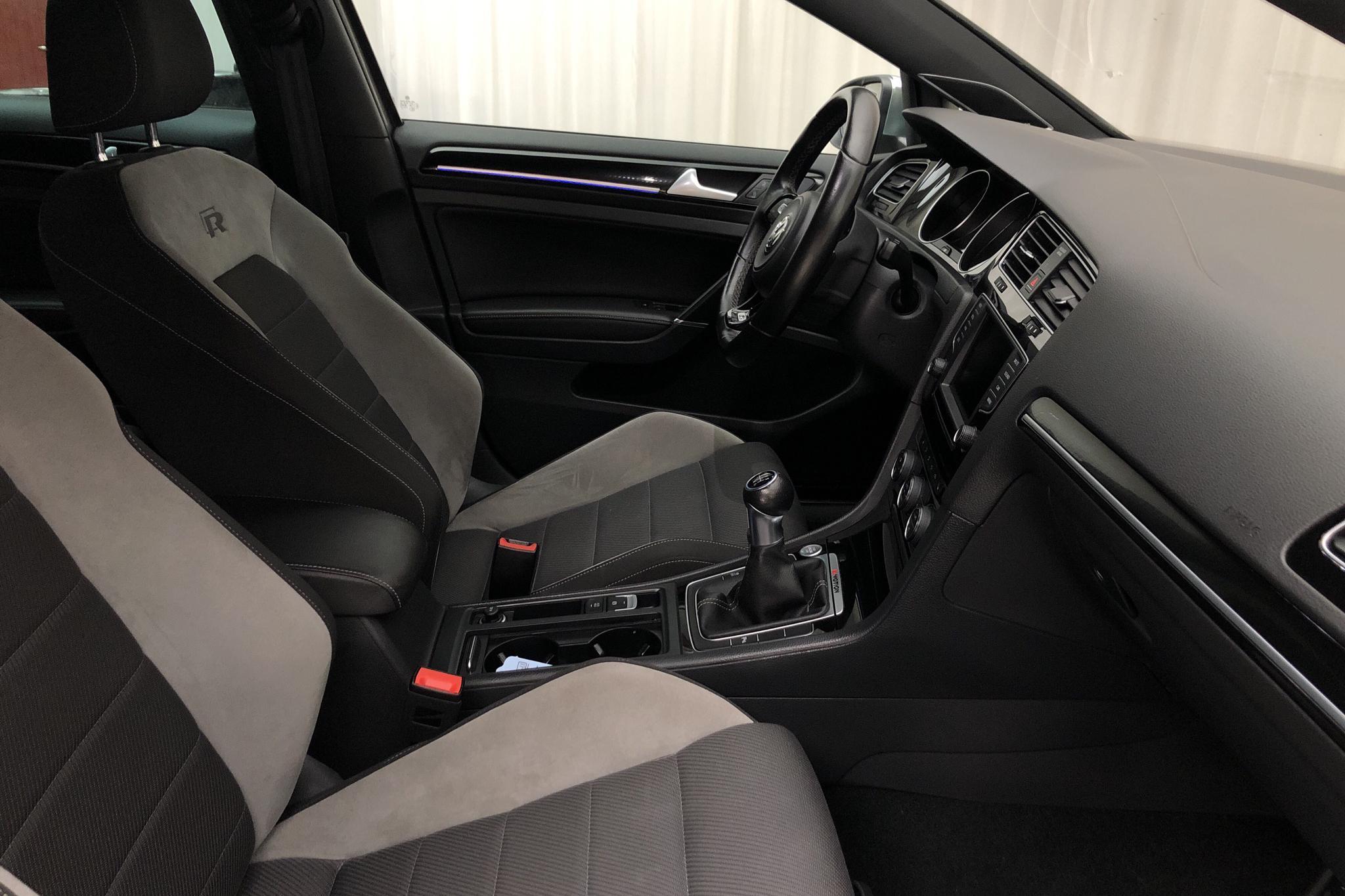 VW Golf VII 2.0 TSI R 5dr (300hk) - 88 460 km - Manual - gray - 2016
