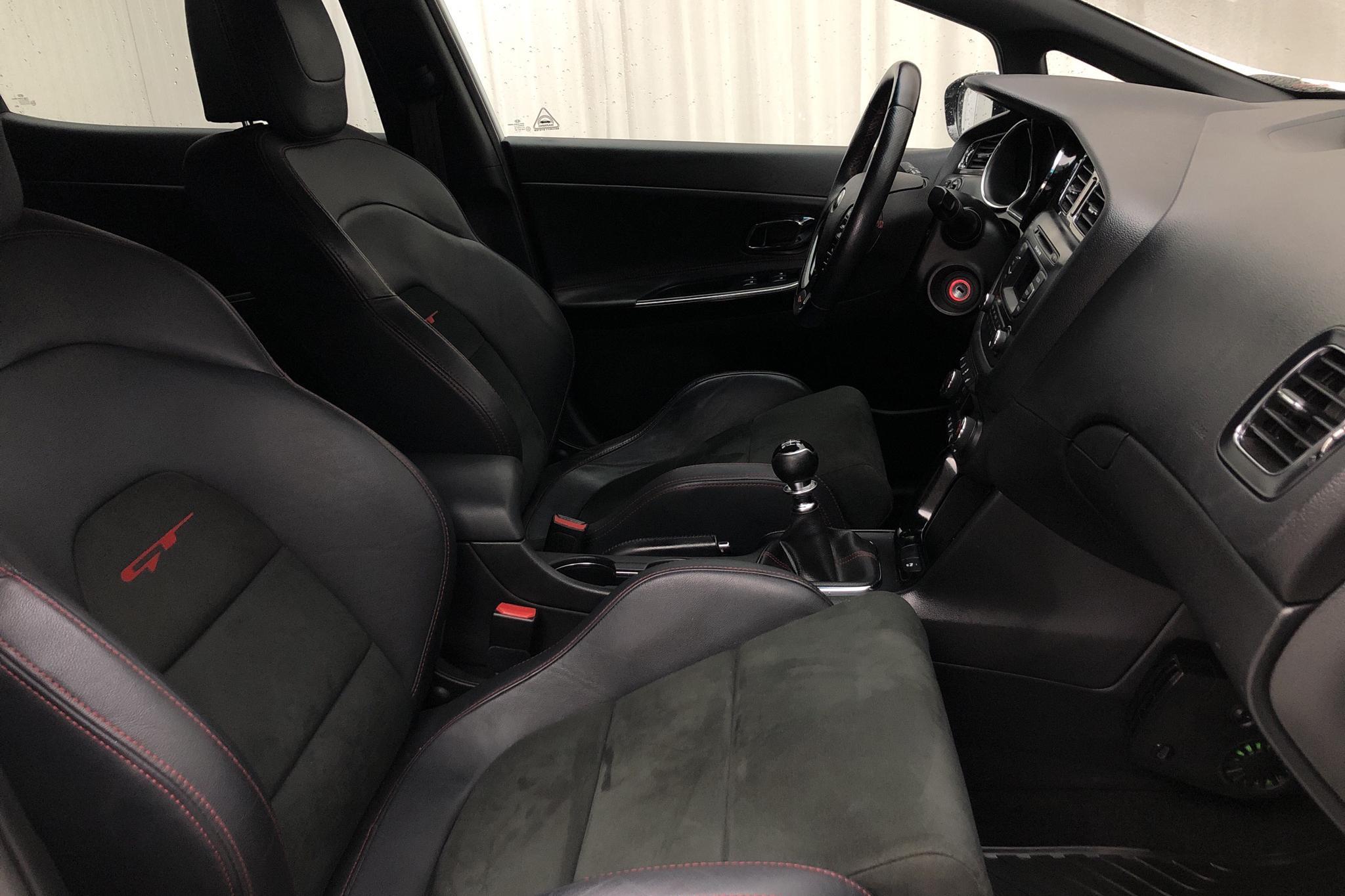 KIA Cee'd GT 1.6 5dr (204hk) - 54 290 km - Manual - white - 2015