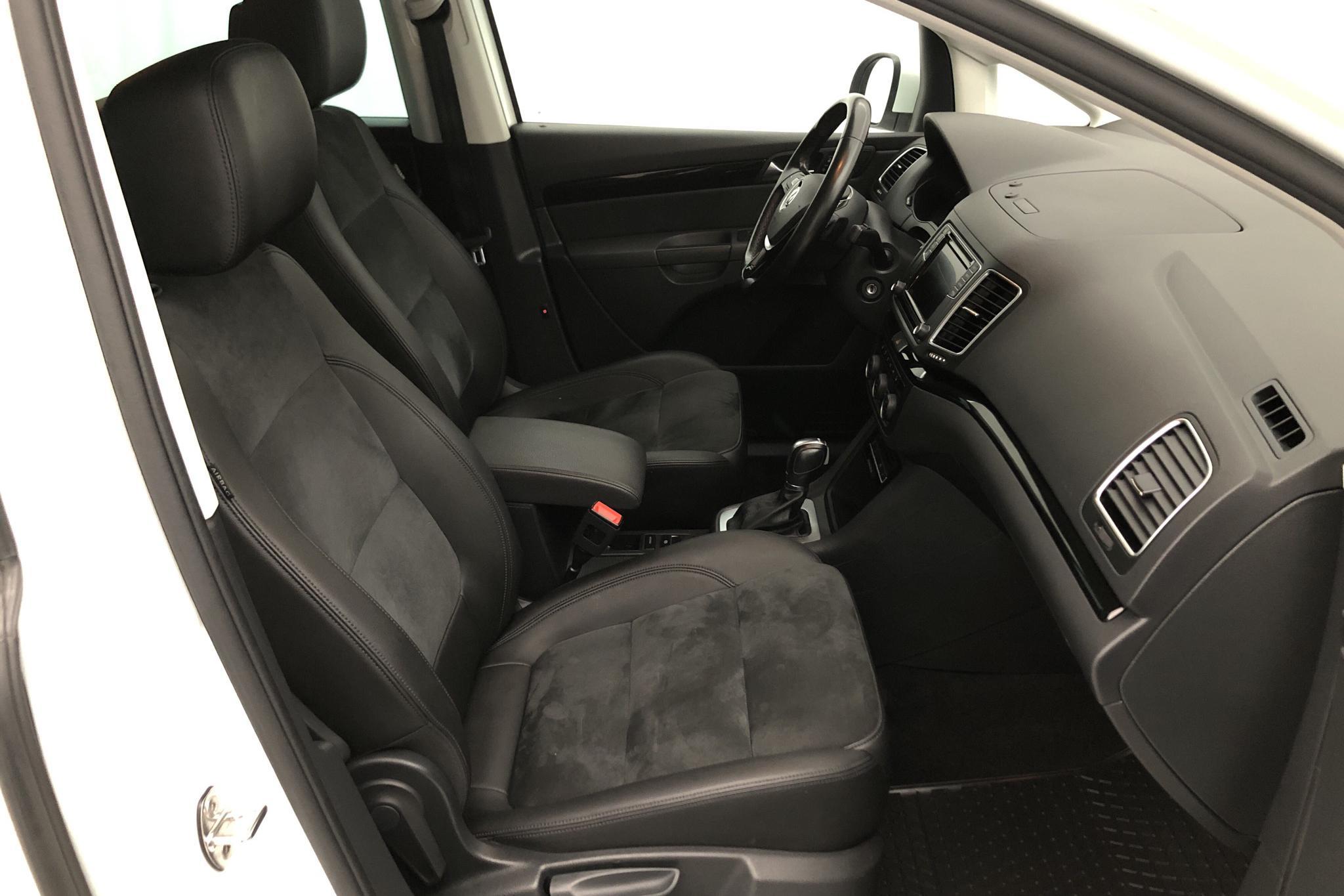 VW Sharan 2.0 TDI 4Motion (184hk) - 118 310 km - Automatic - white - 2017