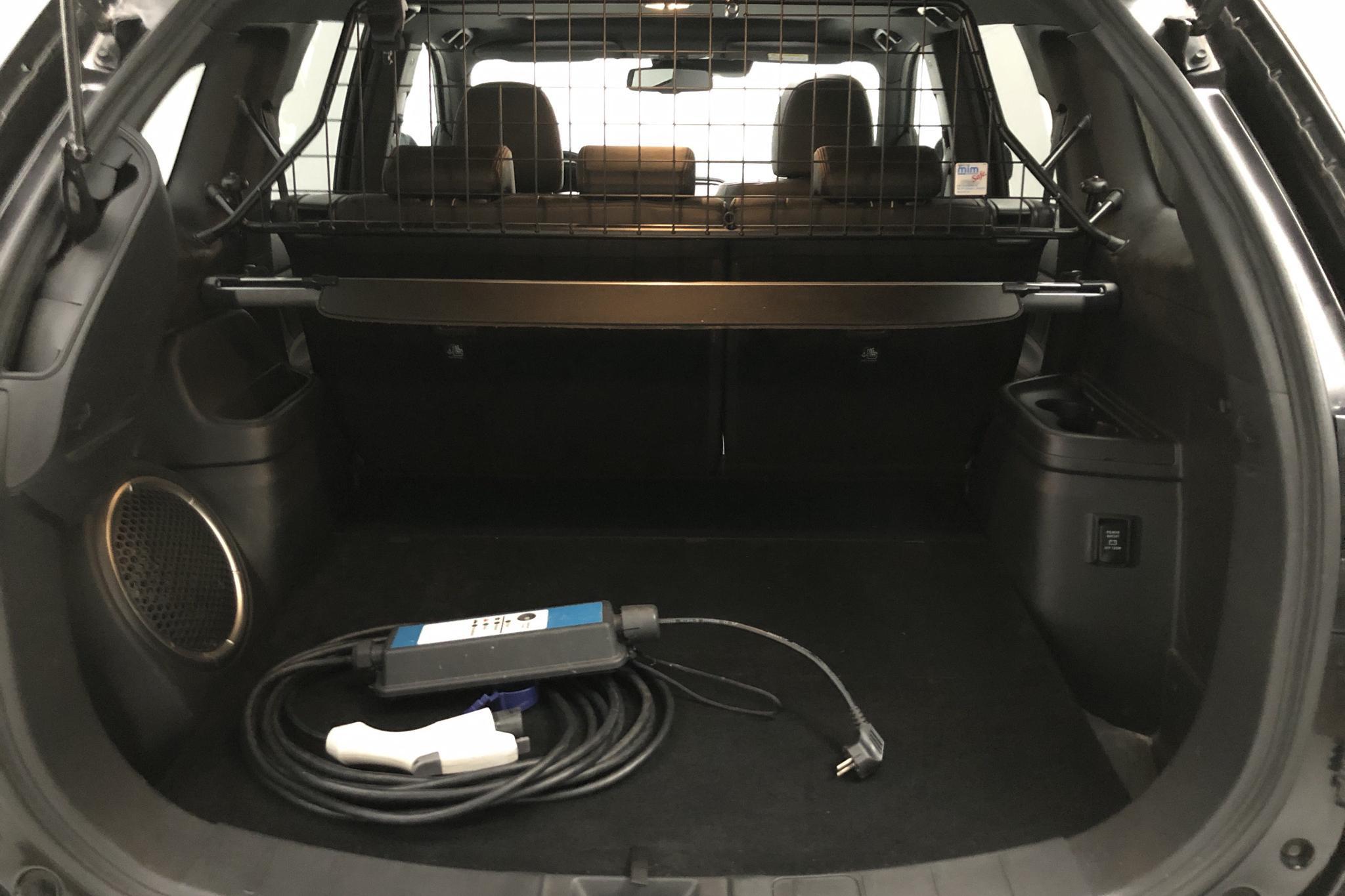 Mitsubishi Outlander 2.0 Plug-in Hybrid 4WD (121hk) - 12 790 mil - Automat - svart - 2018