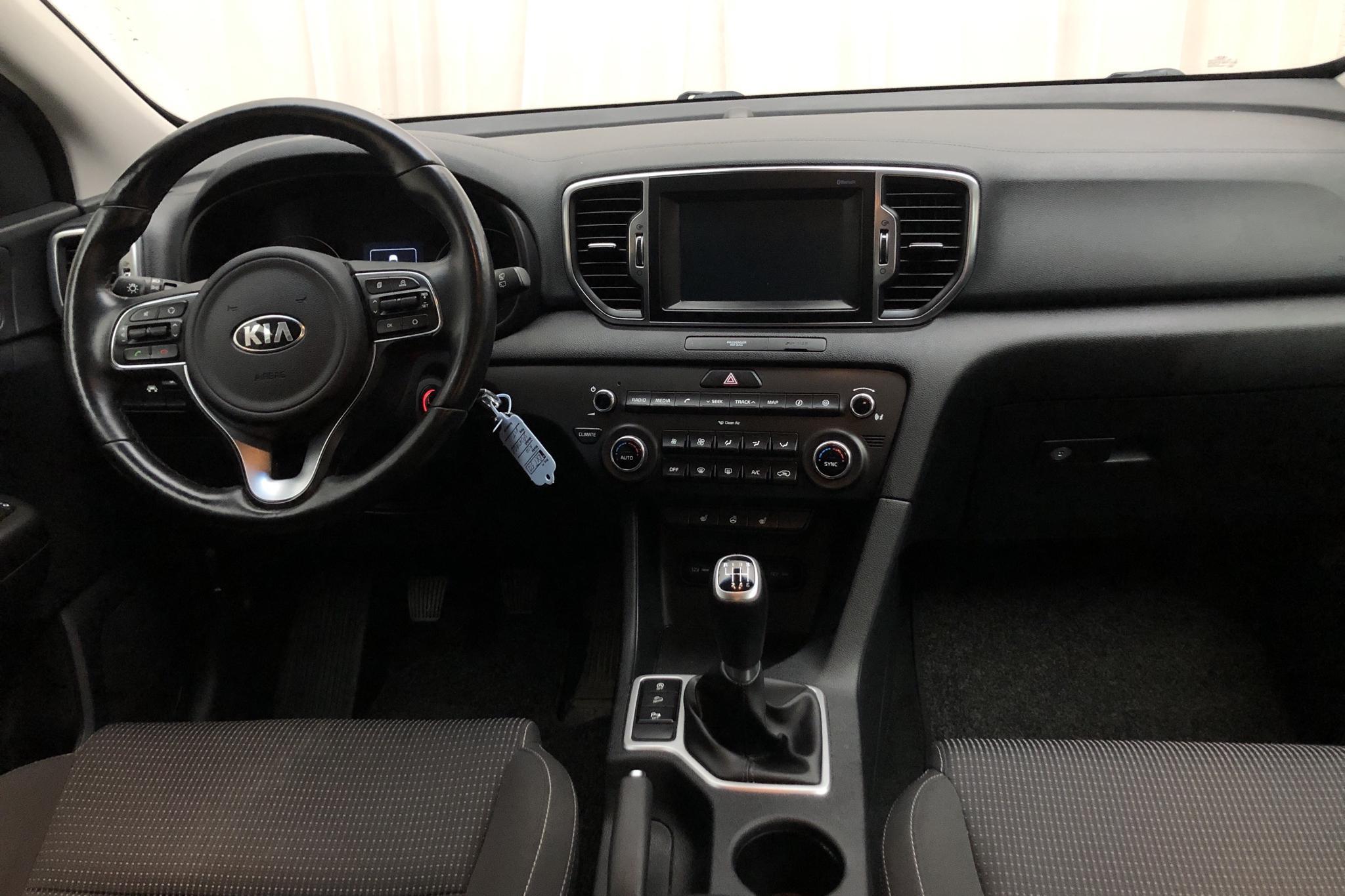 KIA Sportage 1.7 CRDi 2WD (115hk) - 9 846 mil - Manuell - vit - 2016