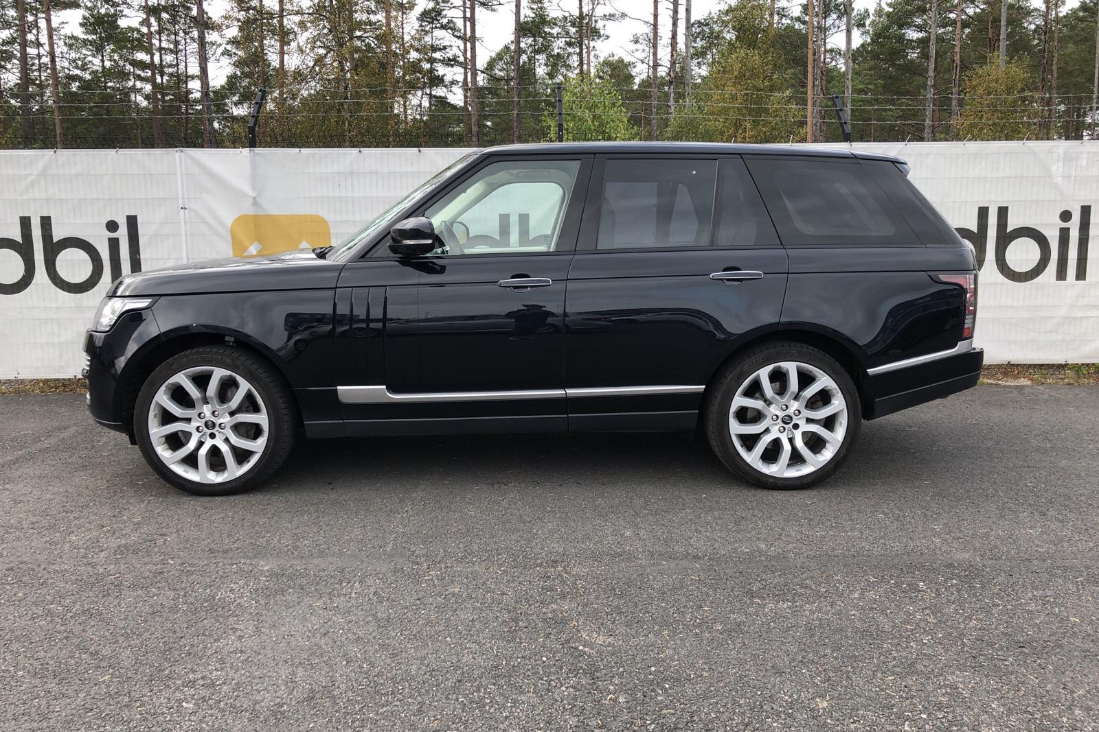 Land Rover Range Rover 4.4 SDV8 AWD (339hk) - 27 398 mil - Automat - svart - 2015