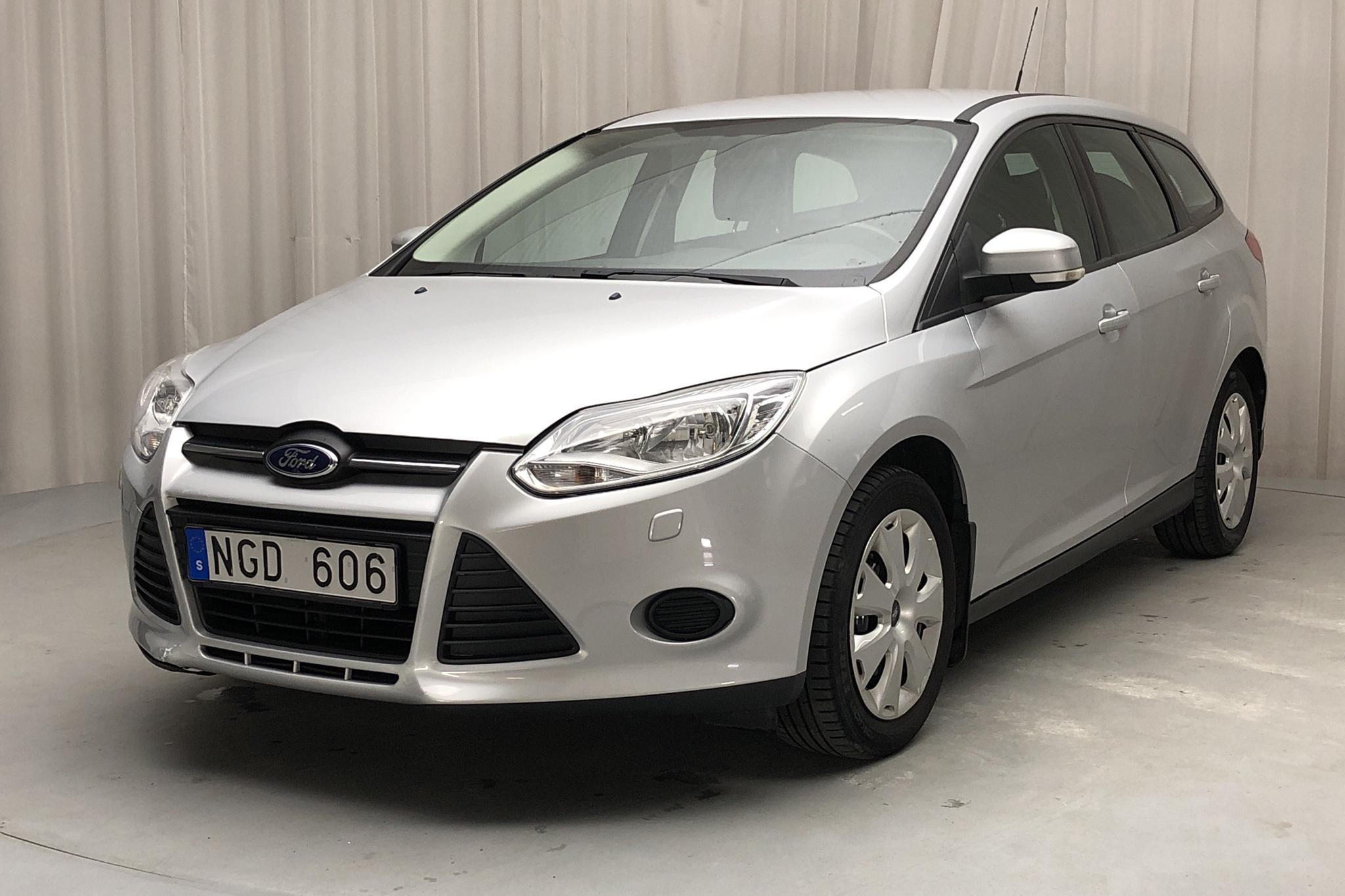 Ford Focus 1.6 Ti-VCT Flexifuel Kombi (120hk) - 9 266 mil - Manuell - grå - 2013