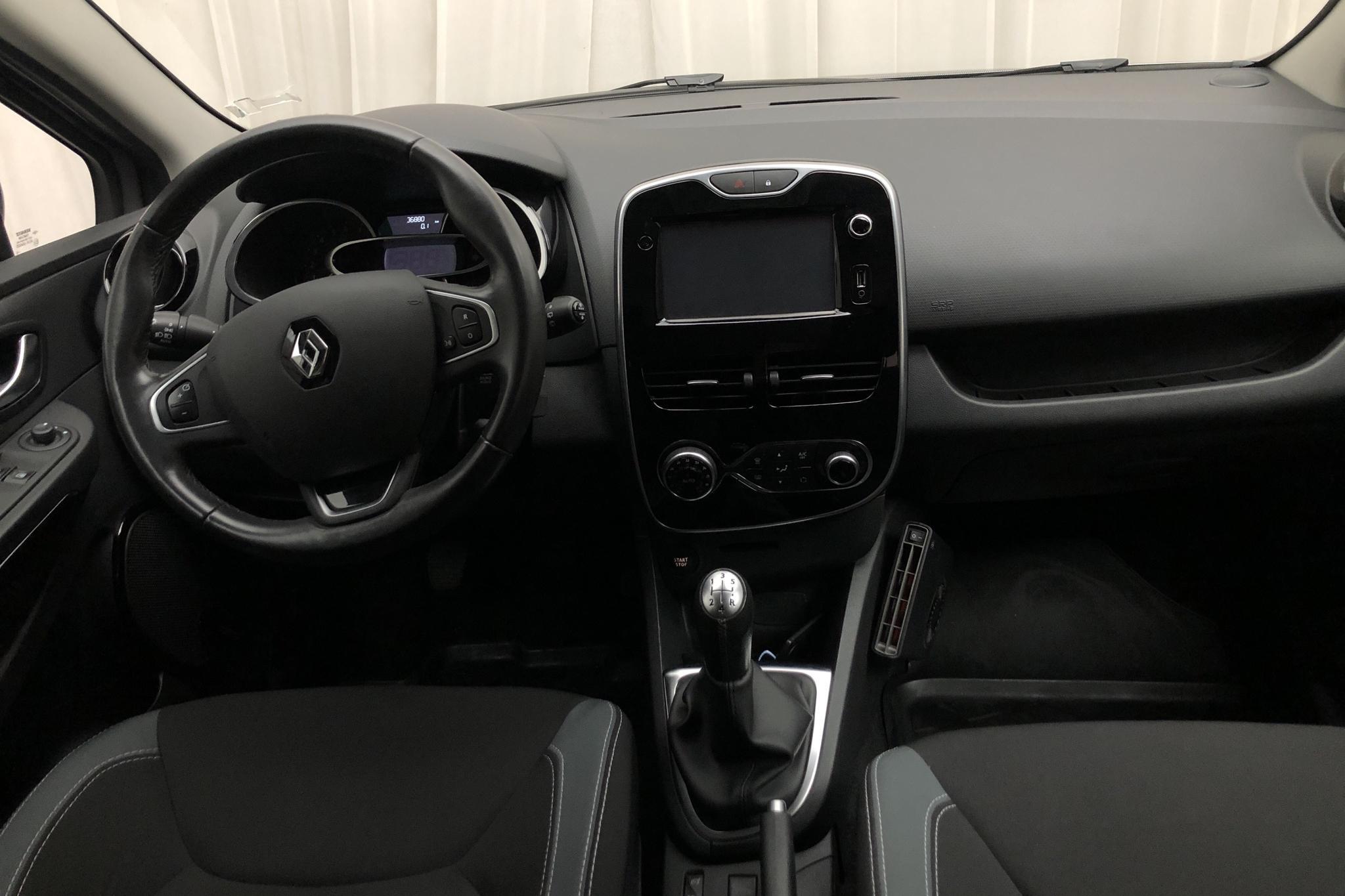 Renault Clio IV 0.9 TCe 90 5dr (90hk) - 3 688 mil - Manuell - grå - 2016