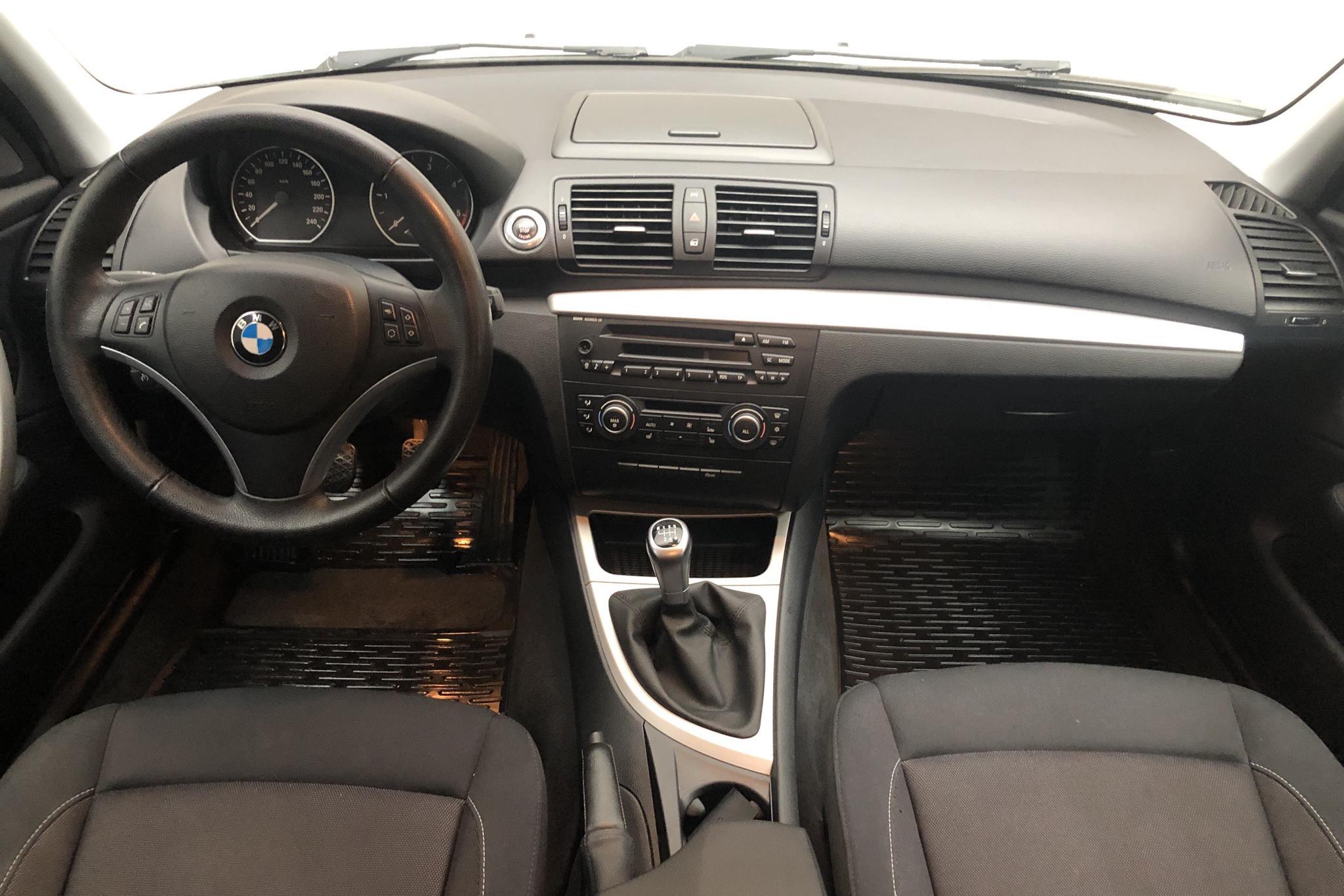 BMW 118d 5dr, E87 (143hk) - 10 158 mil - Manuell - vit - 2010