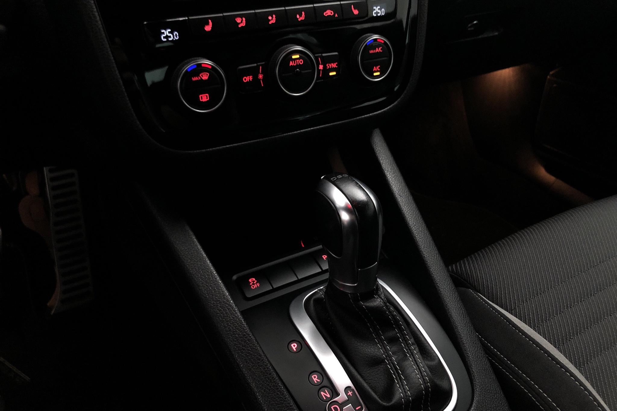 VW Scirocco R (280hk) - 7 354 mil - Automat - svart - 2016