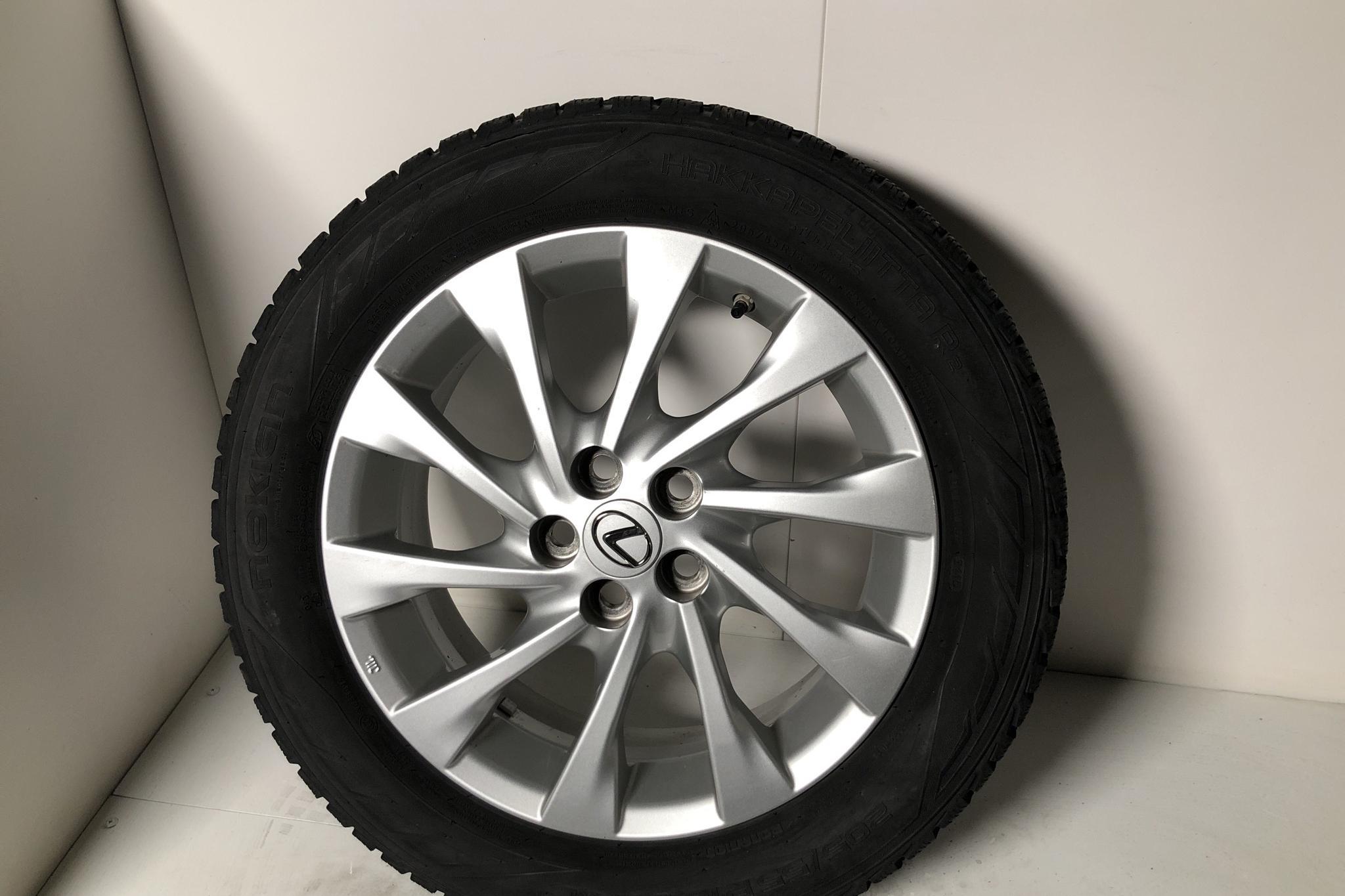 Lexus CT 200h (136hk) - 2 477 mil - Automat - Light Grey - 2018