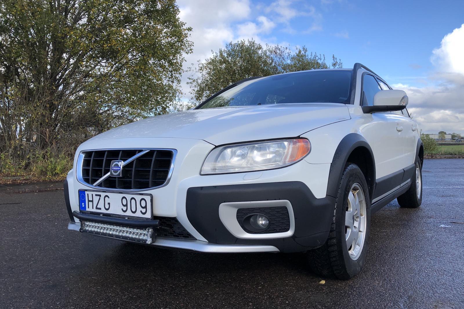 Volvo XC70 II D5 AWD (185hk) - 27 542 mil - Automat - vit - 2009