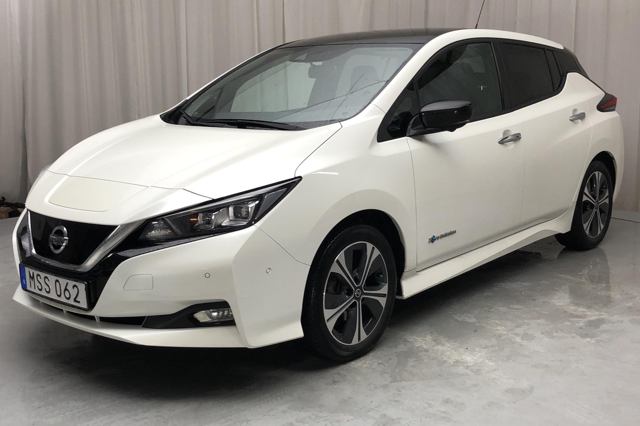 Nissan LEAF 5dr 40 kWh (150hk) - 8 929 mil - Automat - vit - 2018