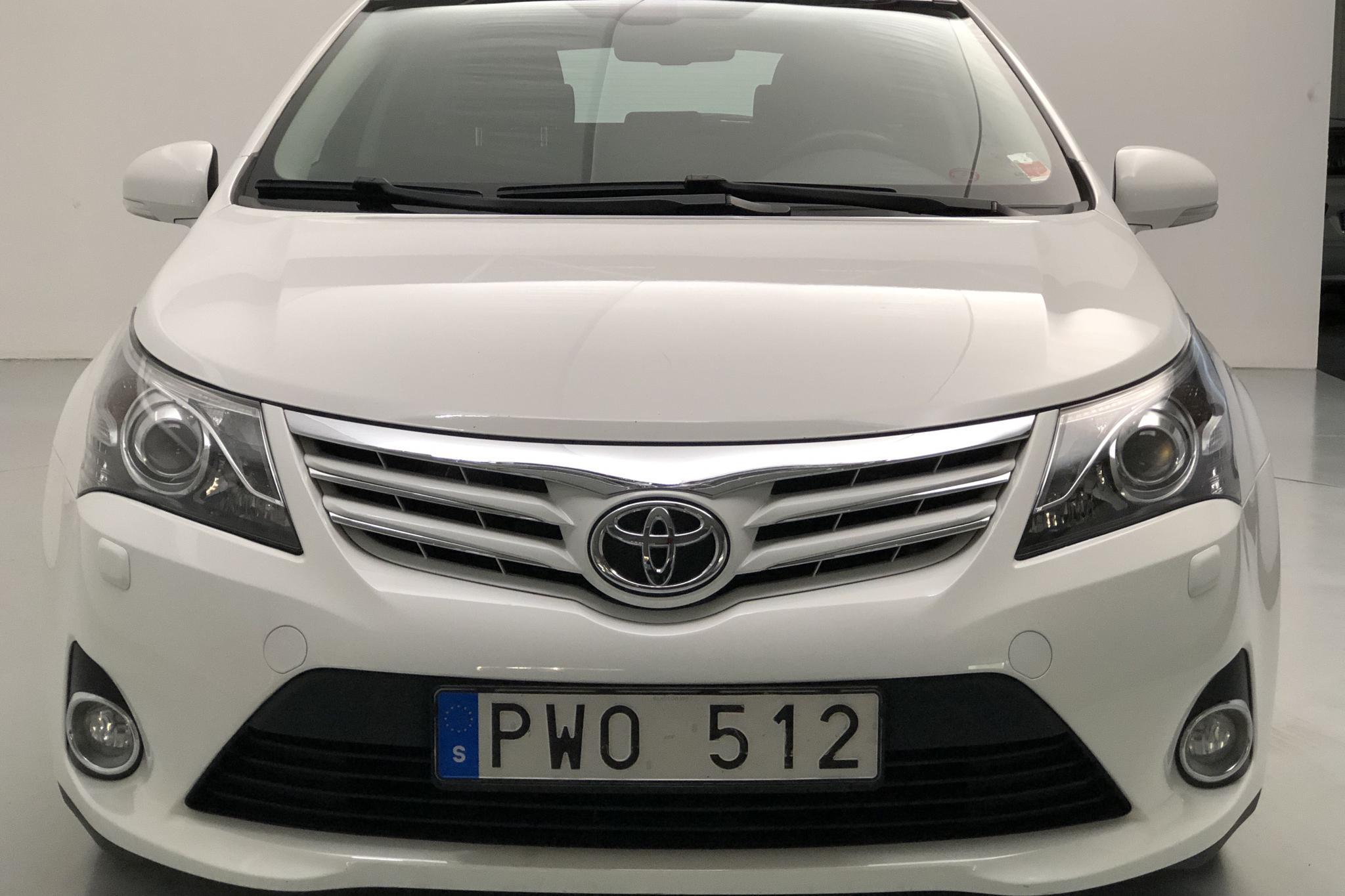 Toyota Avensis 1.8 Kombi (147hk) - 76 970 km - Automatic - white - 2013