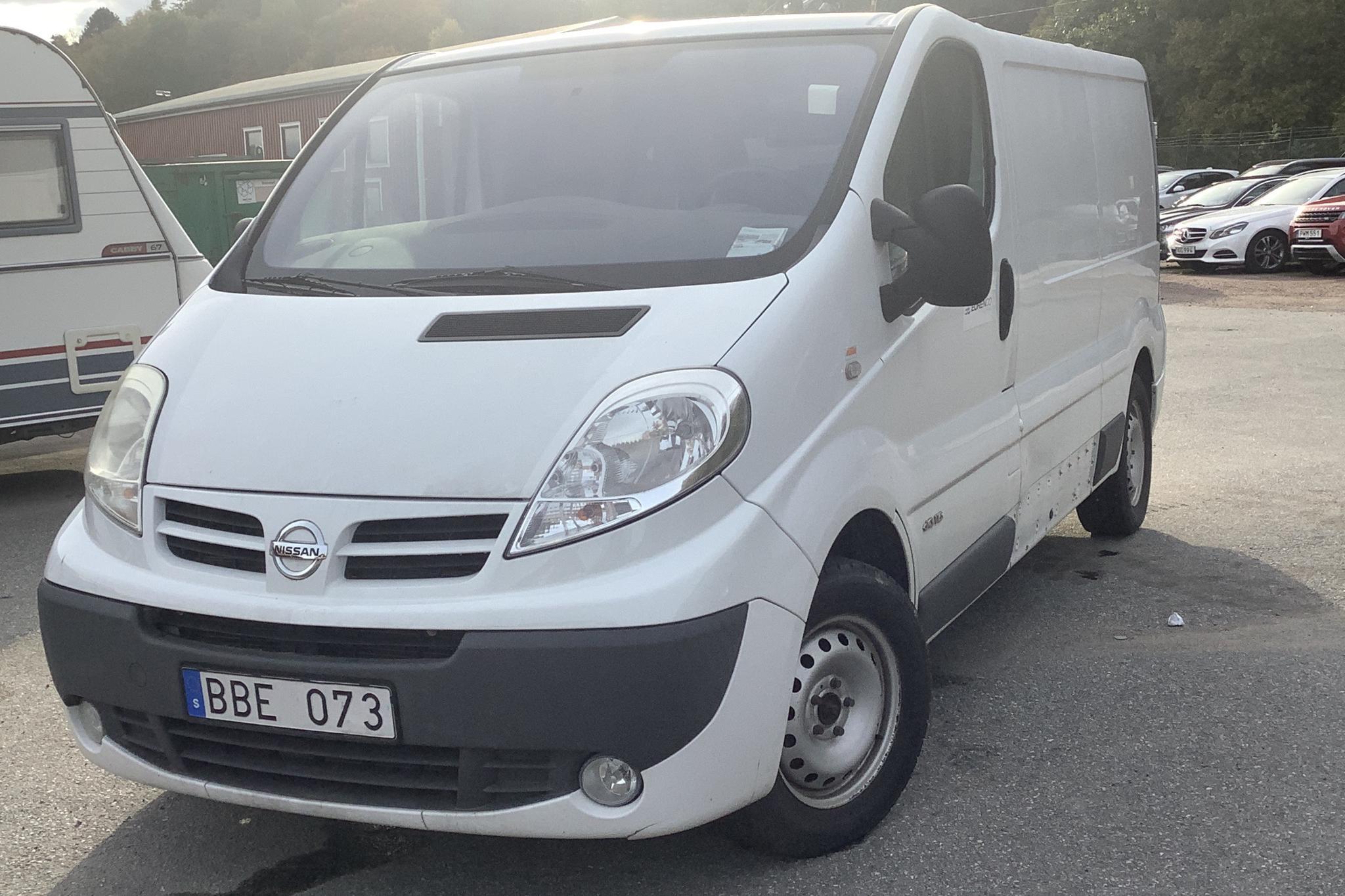 Nissan Primastar 2.0 dCi (114hk) - 7 940 mil - Manuell - vit - 2011