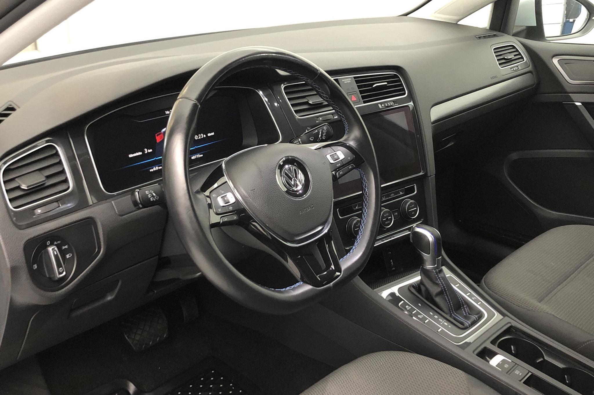 VW e-Golf VII 5dr (136hk) - 4 077 mil - Automat - Light Grey - 2019
