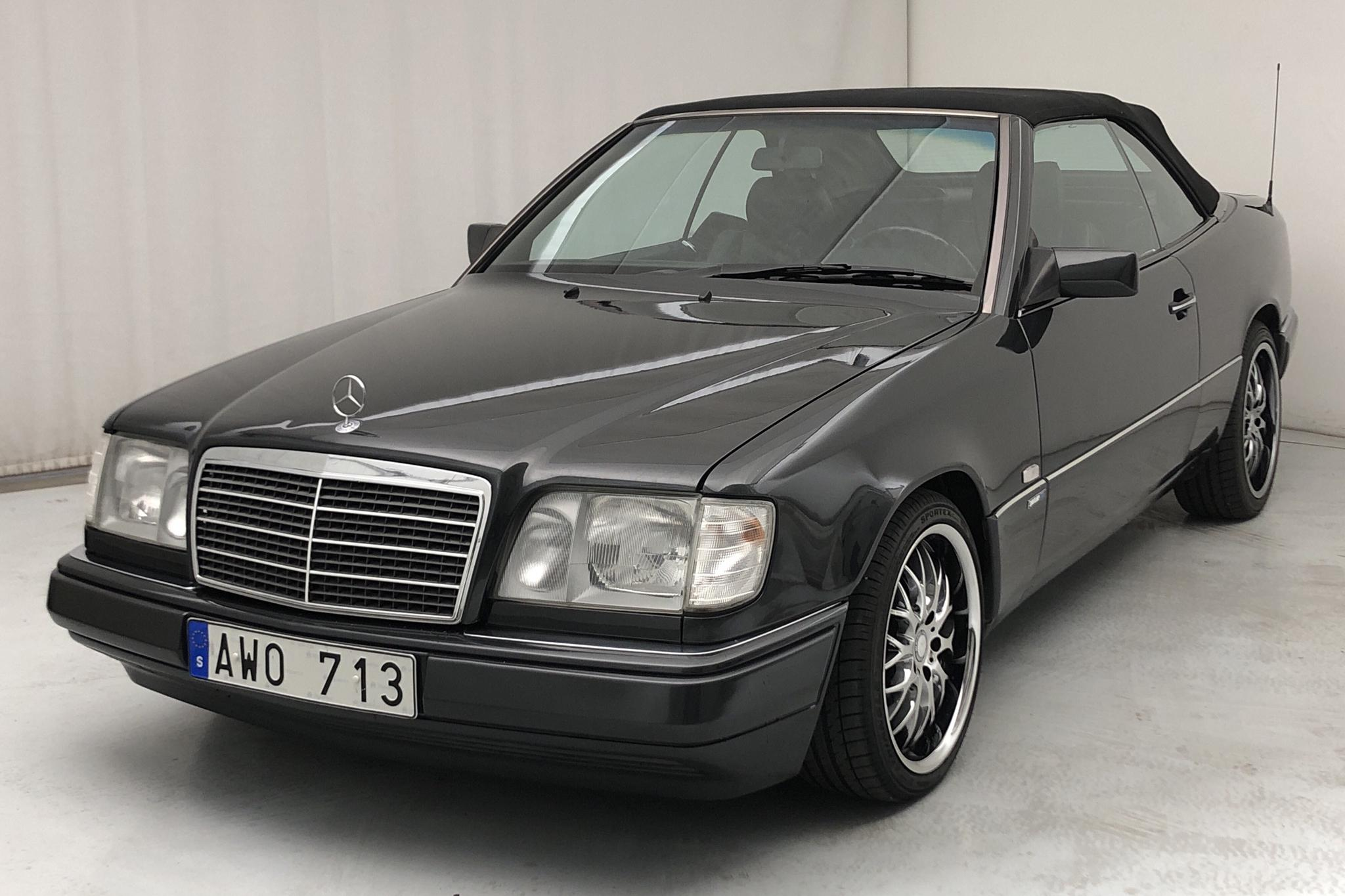 Mercedes E 300 24V Cabrio W124 (220hk) - 138 020 km - Automatic - black - 1993