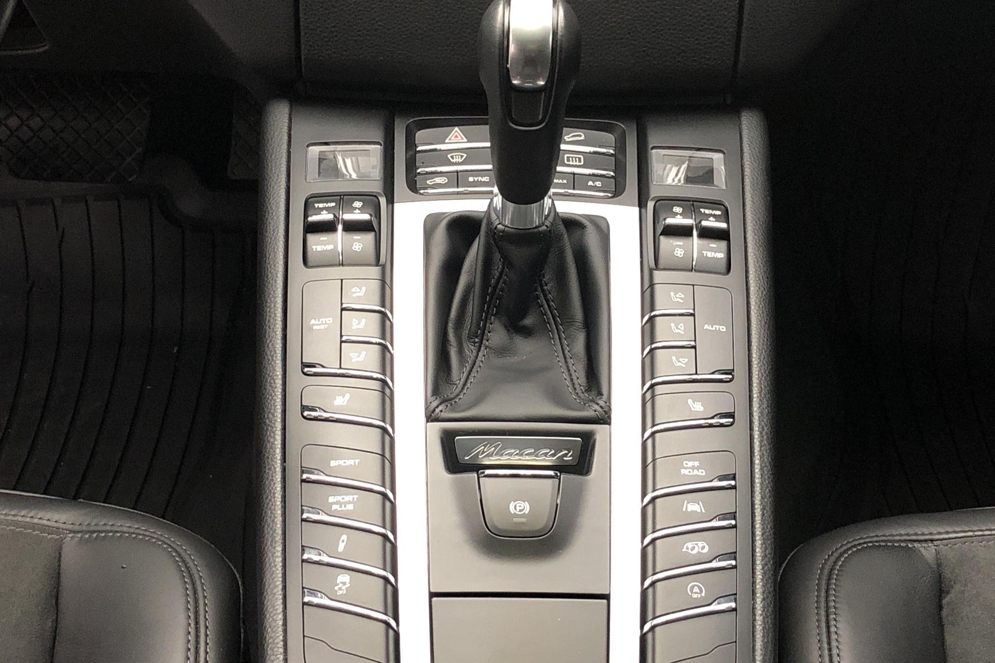 Porsche Macan 3.0 GTS (360hk) - 47 240 km - Automatic - gray - 2018