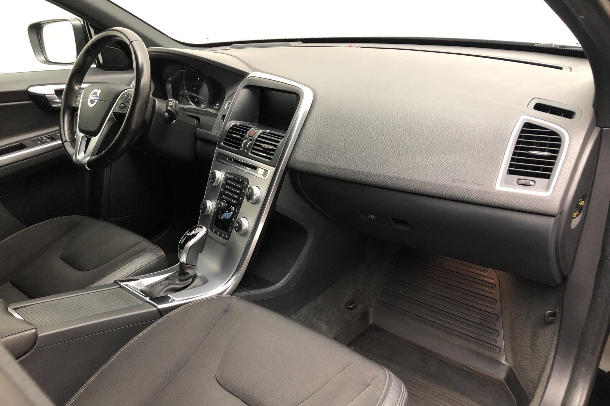 Volvo XC60 D4 AWD (190hk) - 15 510 mil - Automat - svart - 2017