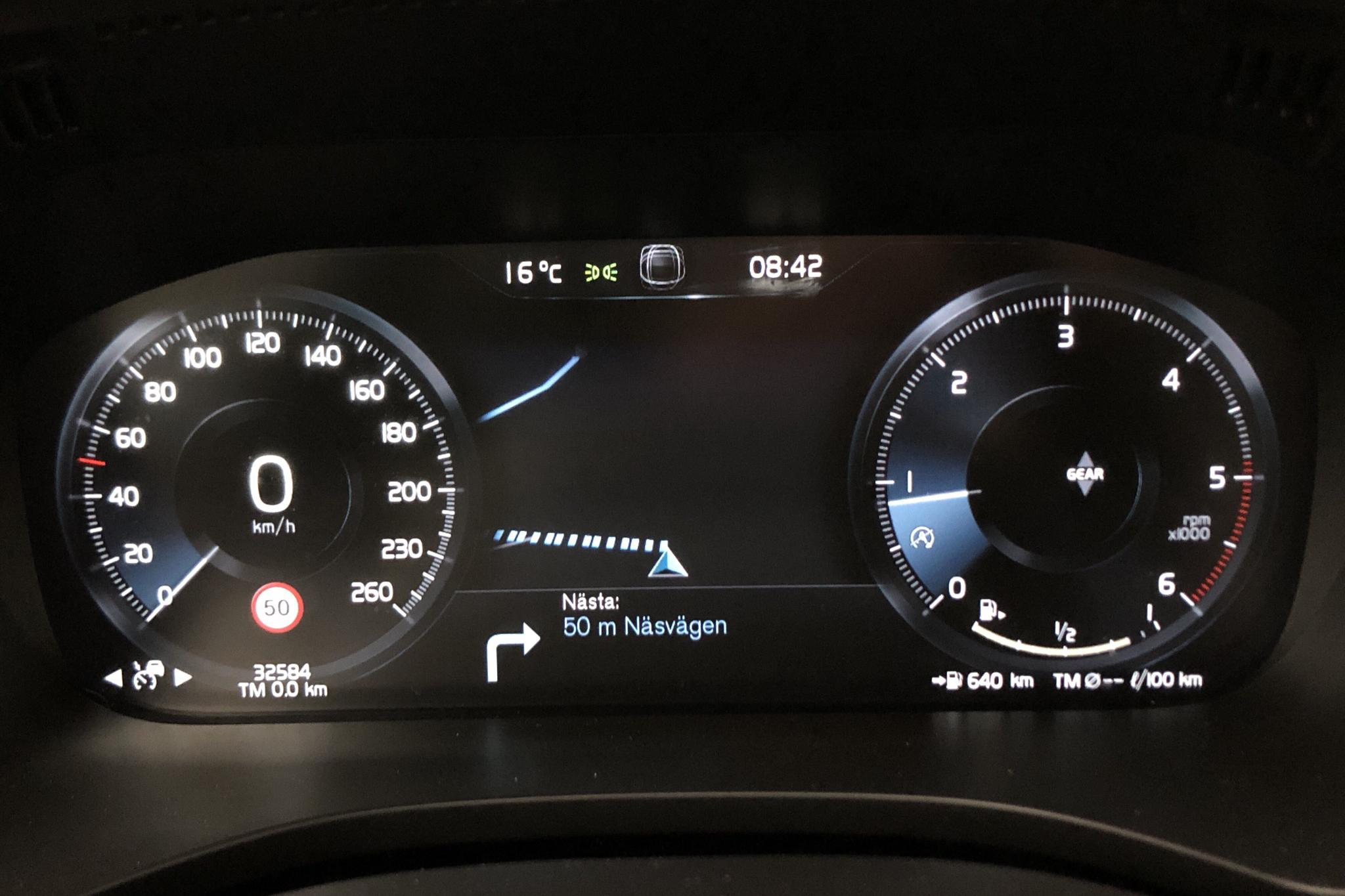 Volvo XC60 D4 2WD (190hk) - 3 259 mil - Manuell - svart - 2019