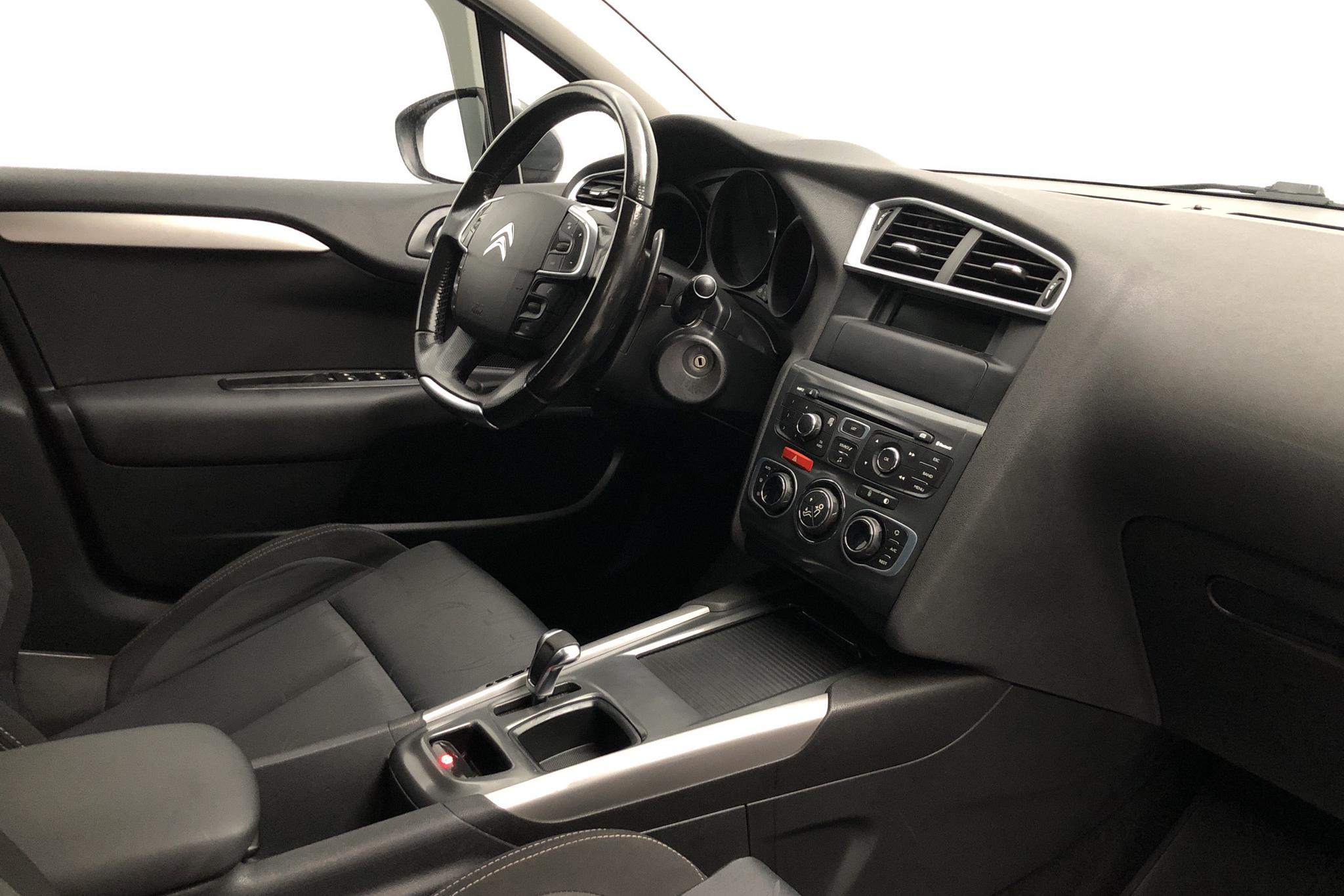 Citroen C4 1.6 HDi (110hk) - 211 770 km - Automatic - gray - 2011