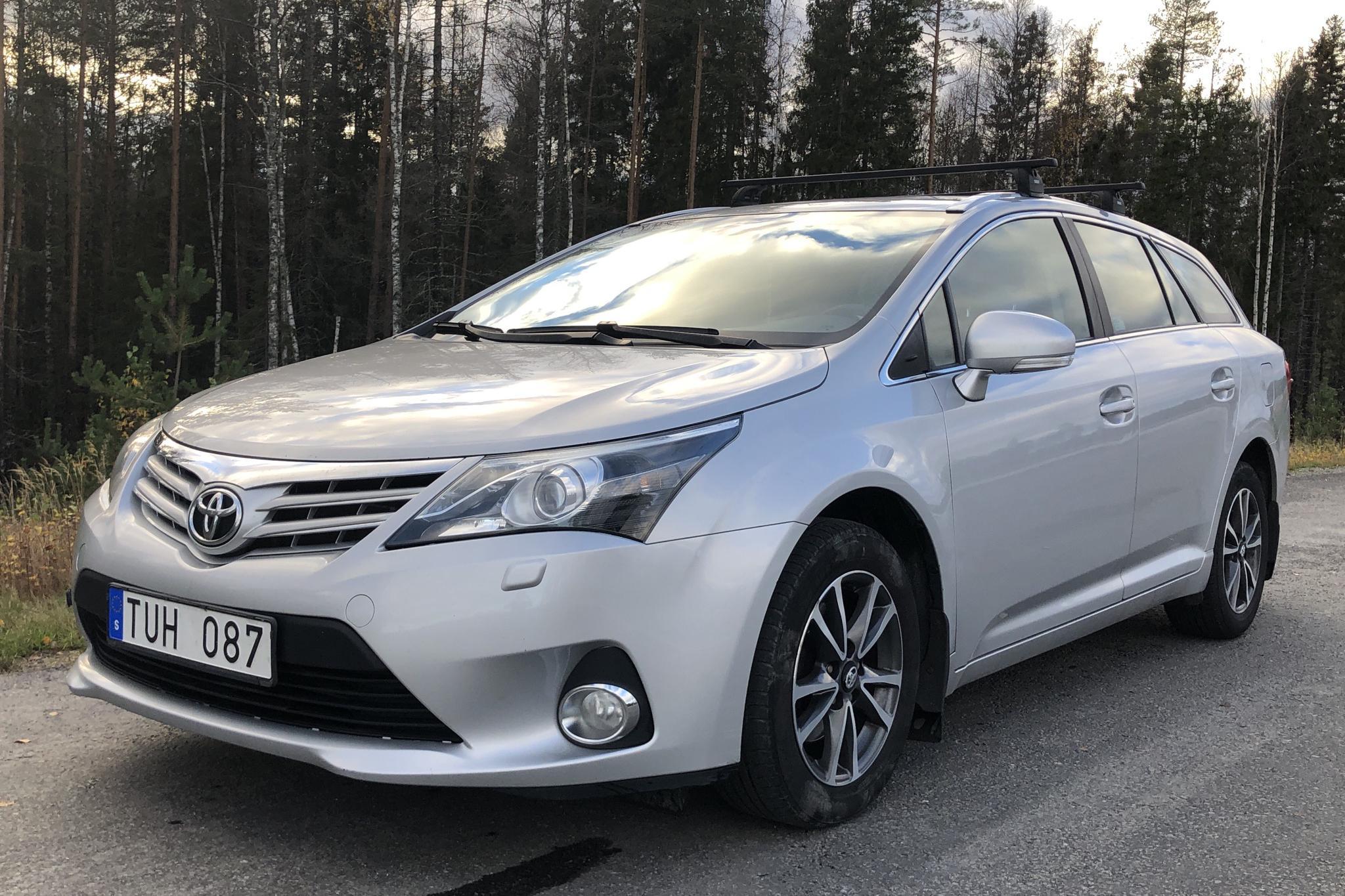 Toyota Avensis 2.0 D-4D Kombi (124hk) - 179 760 km - Manual - silver - 2013