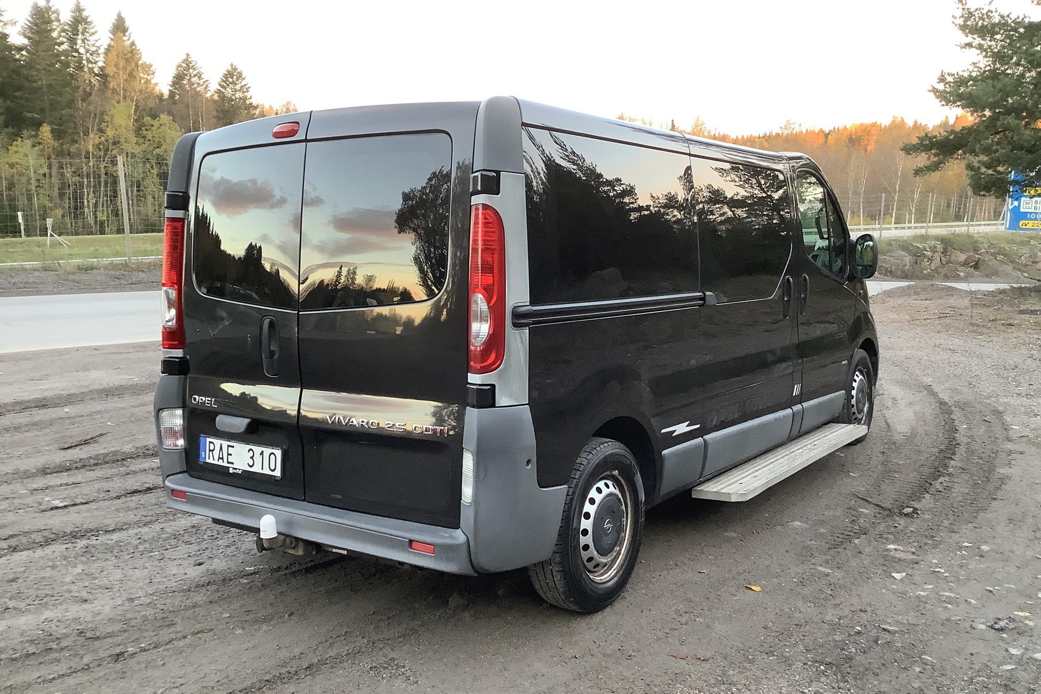 Opel Vivaro 2.5 DTI (146hk) - 293 020 km - Manual - black - 2008