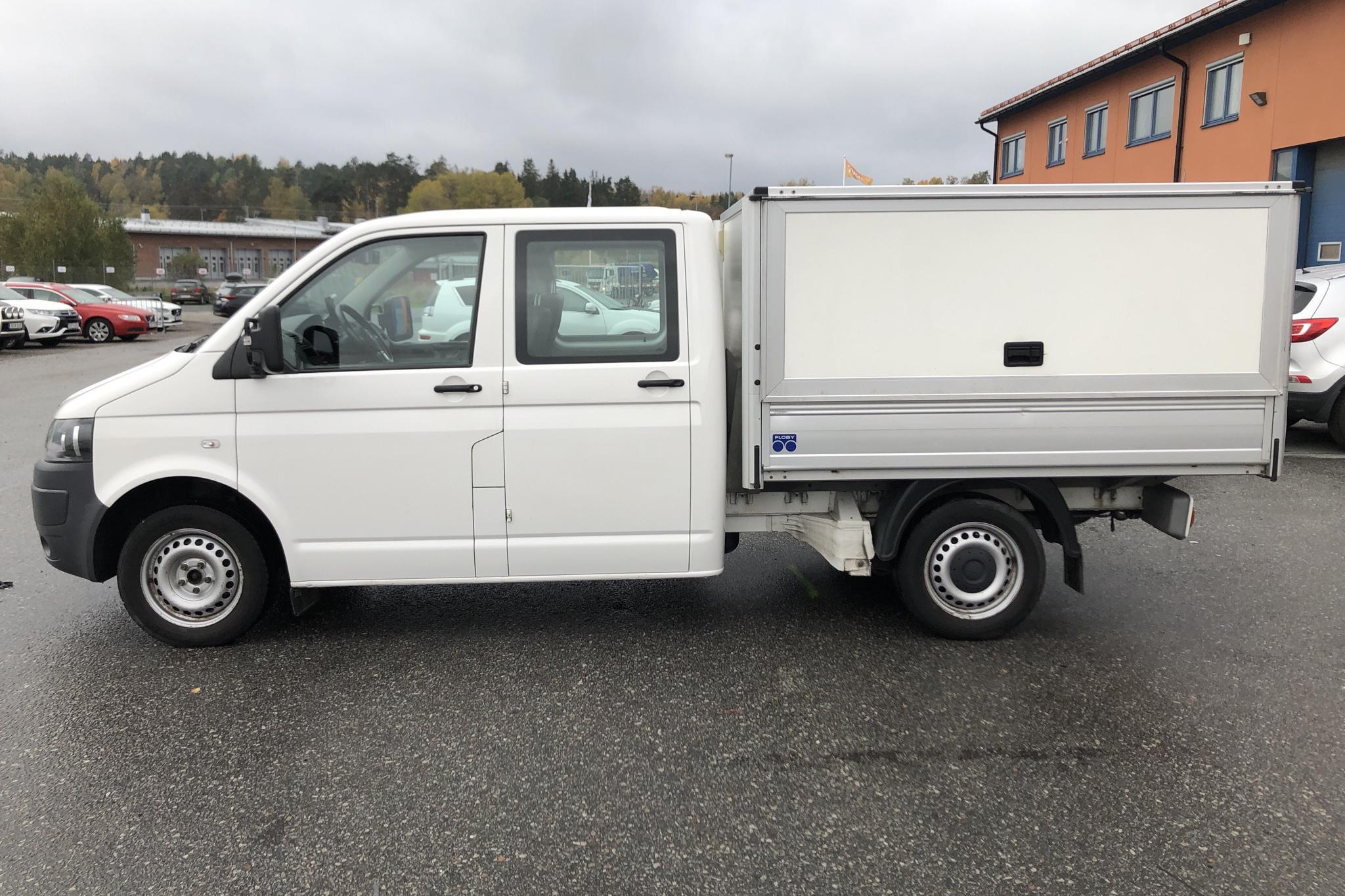 VW Transporter T5 2.0 TDI Pickup (102hk) - 15 252 mil - Manuell - vit - 2013