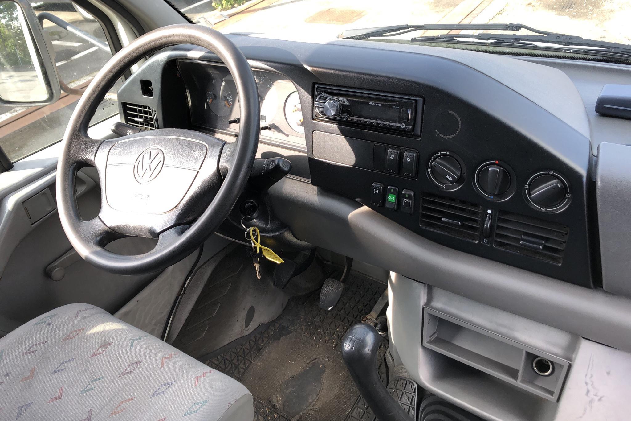 VW LT 35 Volymskåp - 21 005 mil - Manuell - vit - 1999