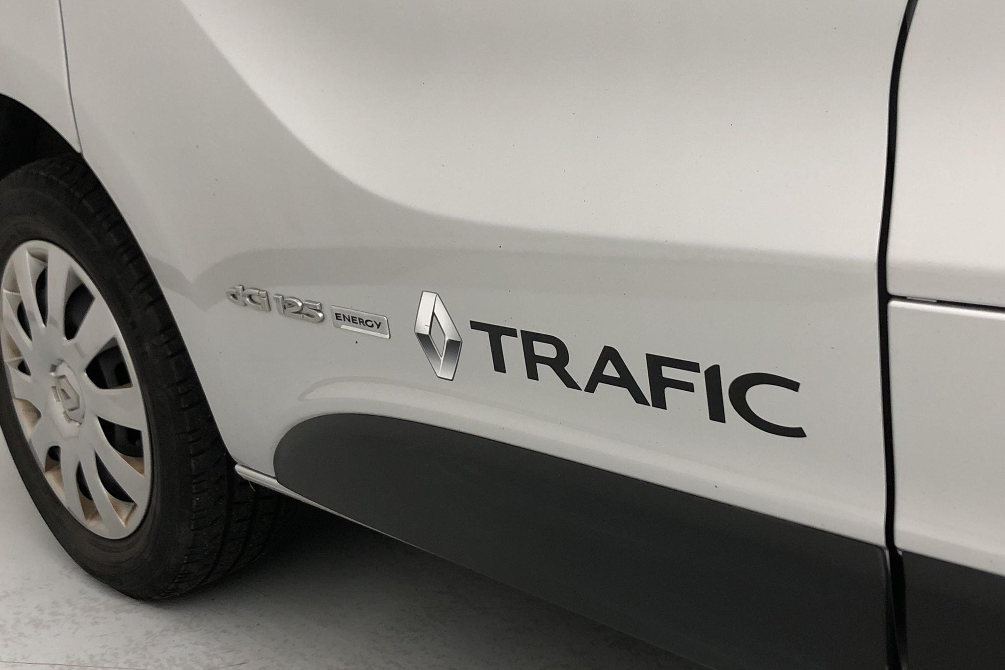 Renault Trafic 1.6 dCi Skåp (125hk) - 66 850 km - Manual - silver - 2017