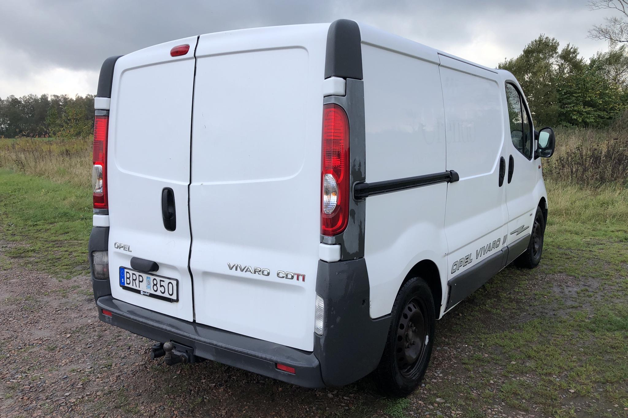 Opel Vivaro 2.0 CDTI (114hk) - 156 620 km - Manual - white - 2008