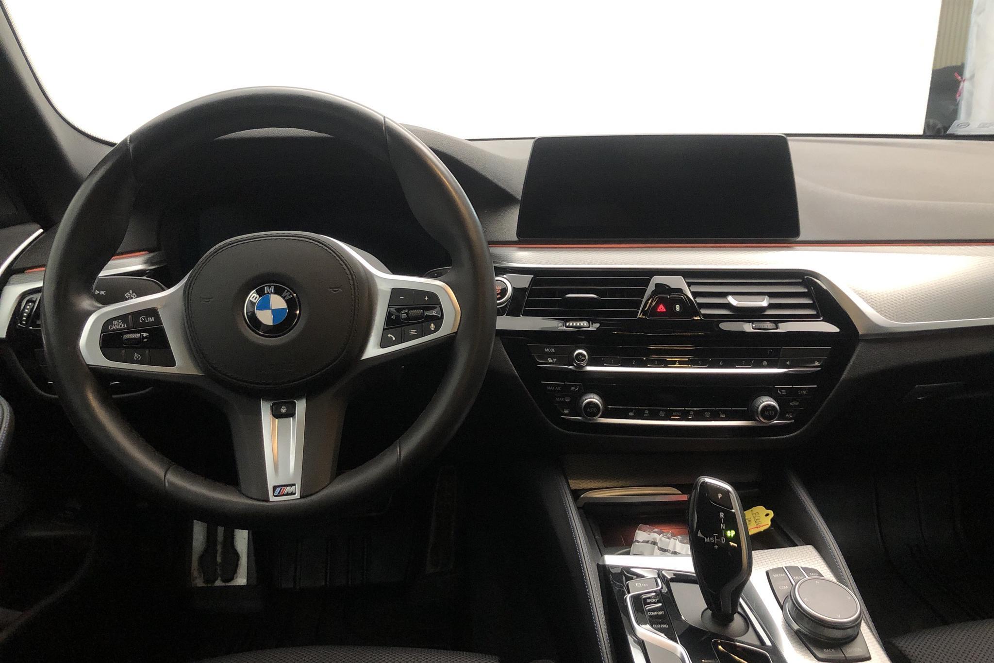 BMW 520d xDrive Touring MHEV, G31 (190hk) - 35 900 km - Automatic - black - 2020