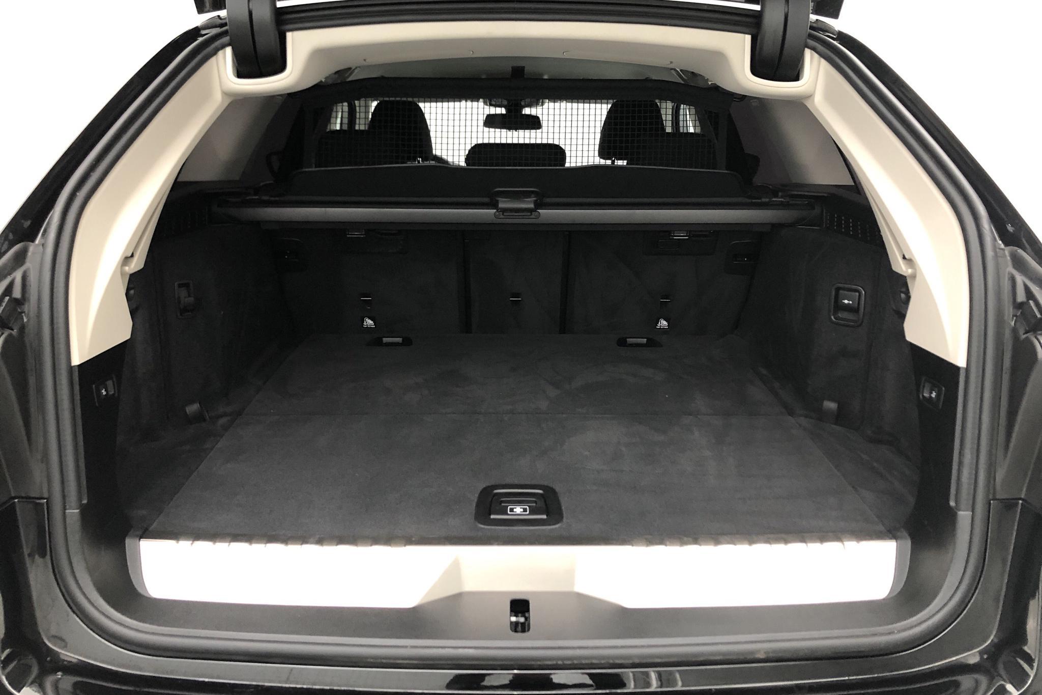 BMW 530e xDrive Touring, G31 12kWh LCI (292hk) - 4 060 km - Automatic - black - 2021
