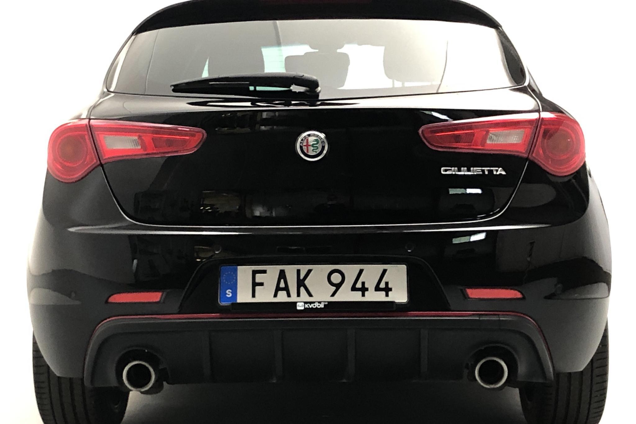 Alfa Romeo Giulietta 2.0 JTDm (150hk) - 47 120 km - Manual - black - 2017