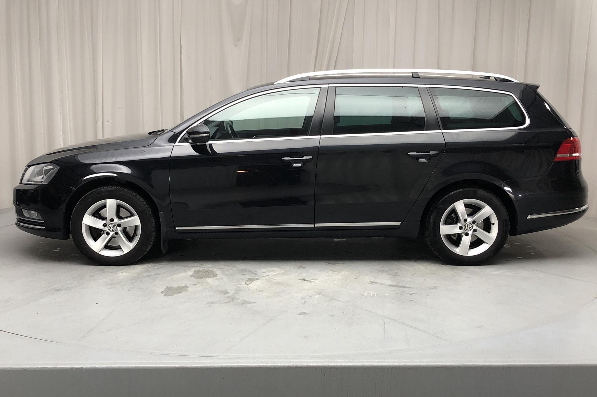 VW Passat 1.4 TSI EcoFuel Variant (150hk) - 200 740 km - Manual - black - 2014