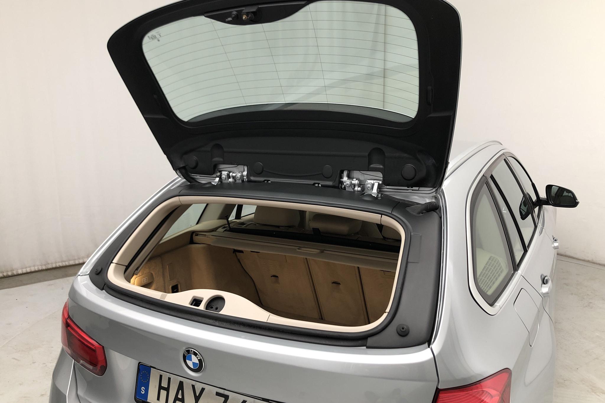 BMW 320d xDrive Touring, F31 (190hk) - 85 250 km - Manual - silver - 2016