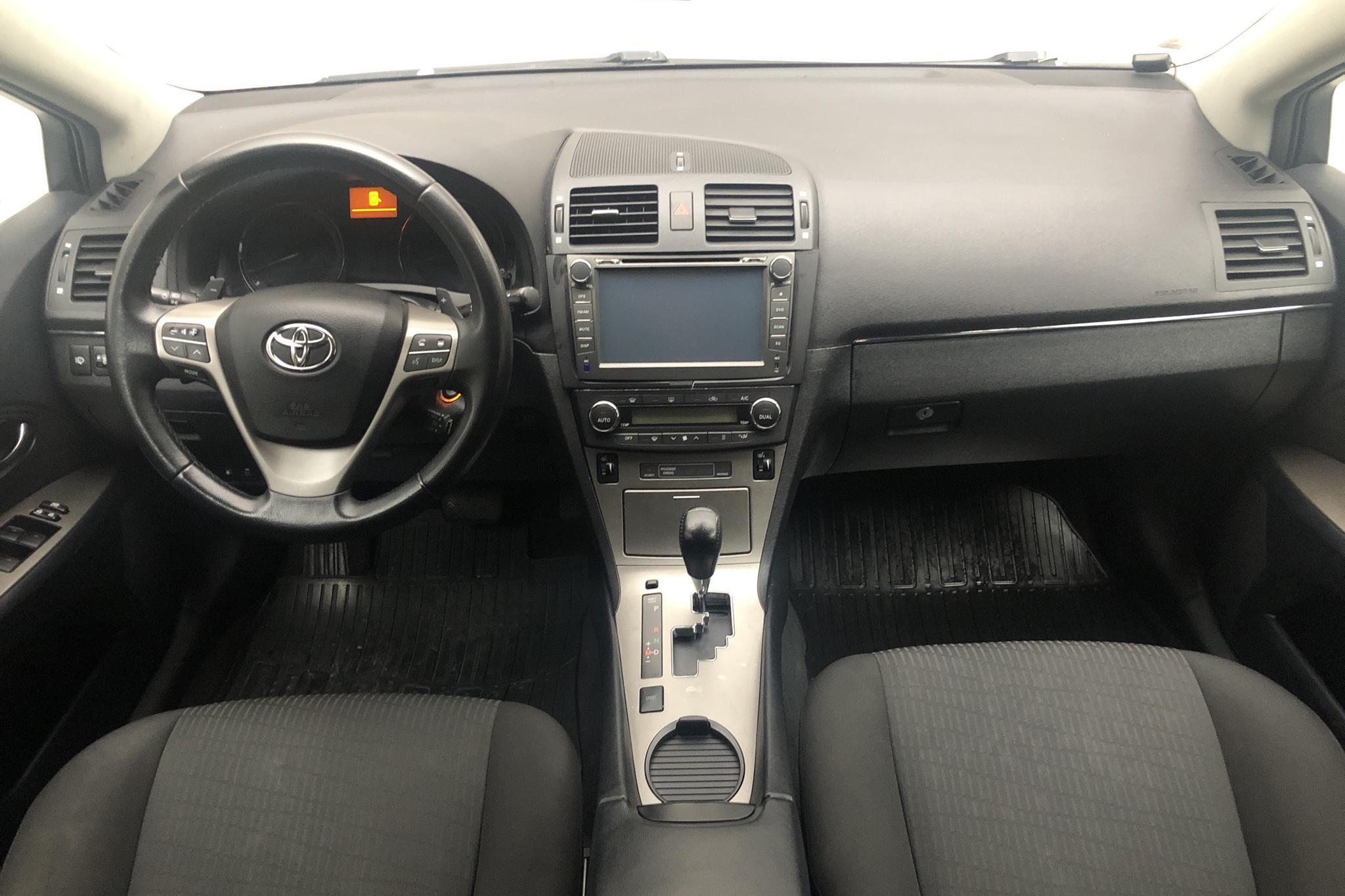 Toyota Avensis 2.2 D-4D Kombi (150hk) - 182 230 km - Automatic - silver - 2009