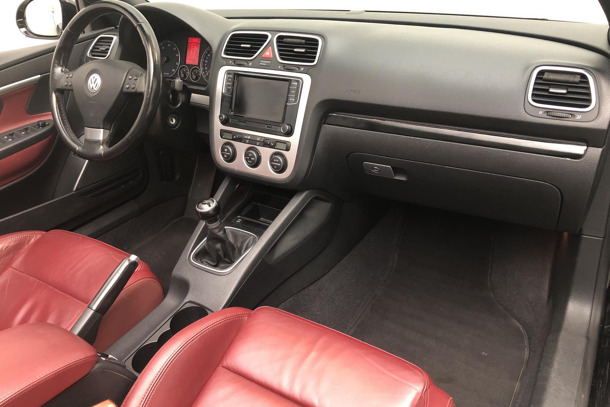 VW Eos 2.0 FSI Cabriolet (150hk) - 157 280 km - Manual - black - 2008
