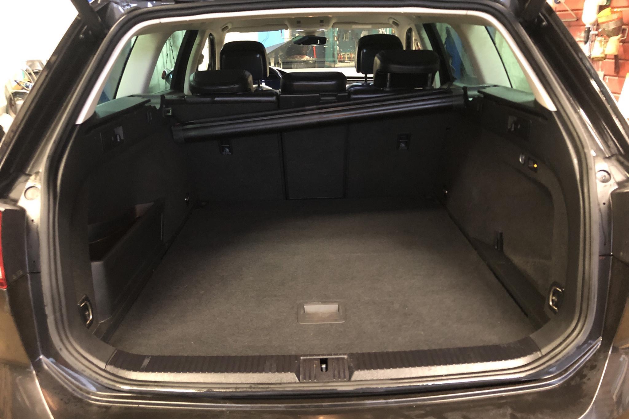 VW Passat Alltrack 2.0 TDI Sportscombi 4MOTION (190hk) - 11 956 mil - Automat - Dark Grey - 2018