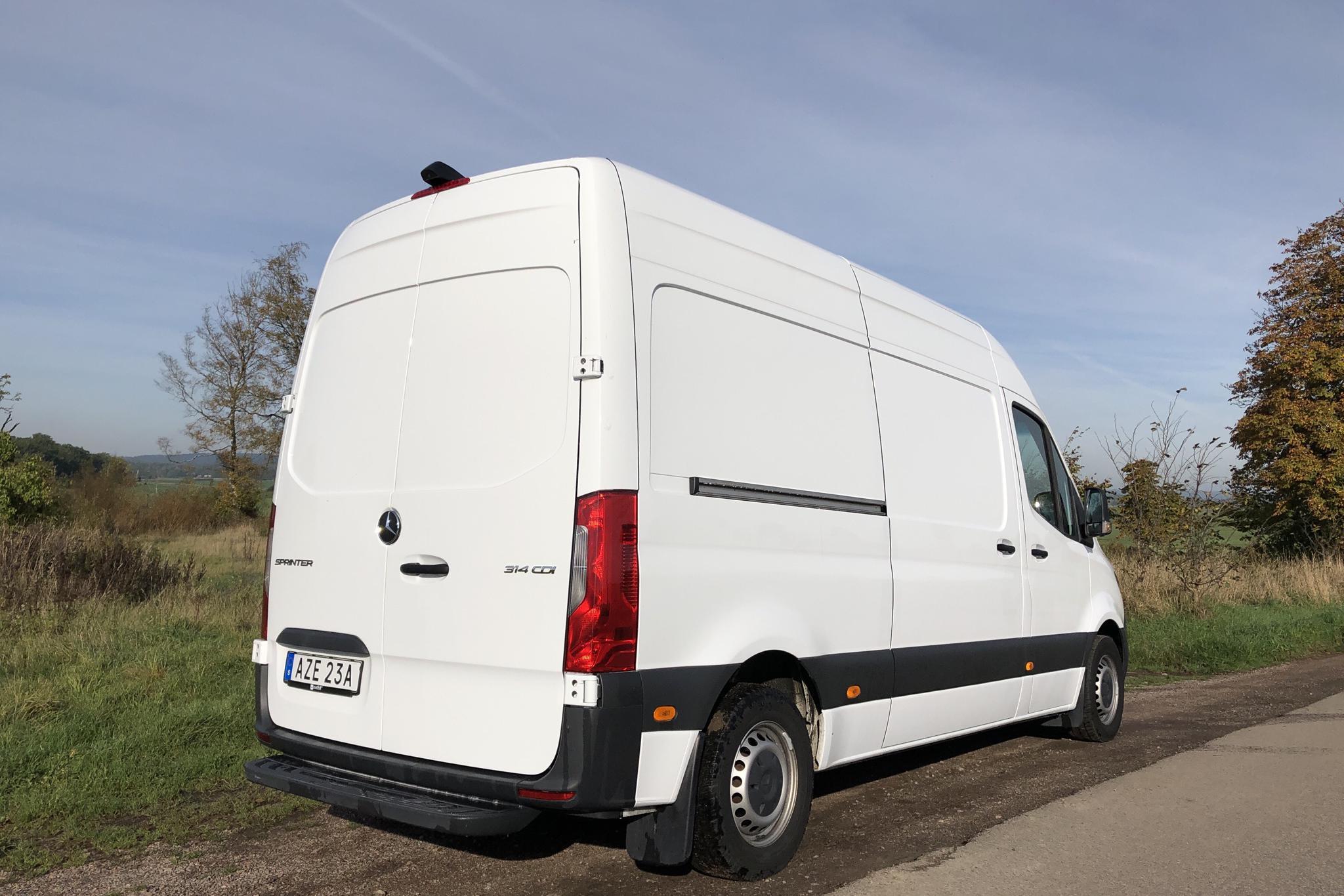 Mercedes Sprinter 314 CDI Skåp 2WD (143hk) - 5 970 mil - Automat - vit - 2020