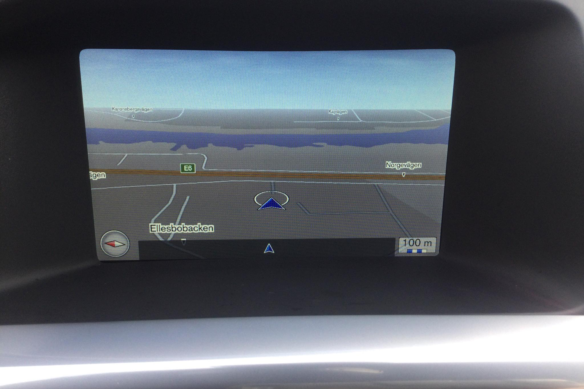 Volvo V60 D4 Cross Country (190hk) - 10 930 mil - Automat - silver - 2016