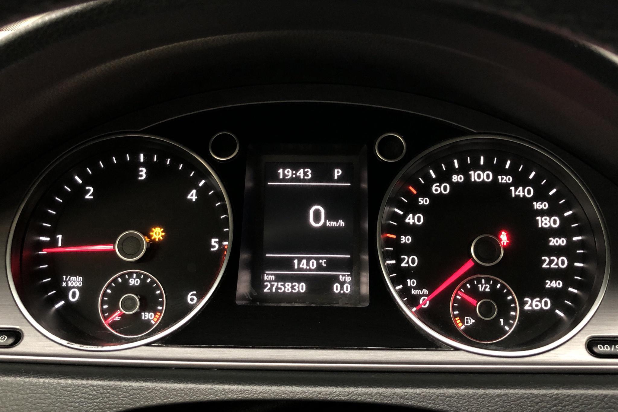 VW Passat 2.0 TDI BlueMotion Technology Variant (170hk) - 27 583 mil - Automat - Dark Grey - 2013