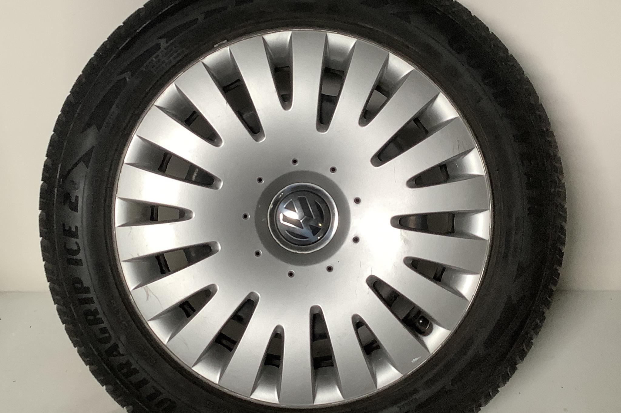 VW Passat 2.0 TDI BlueMotion Technology Variant (170hk) - 133 650 km - Automatic - Dark Grey - 2011