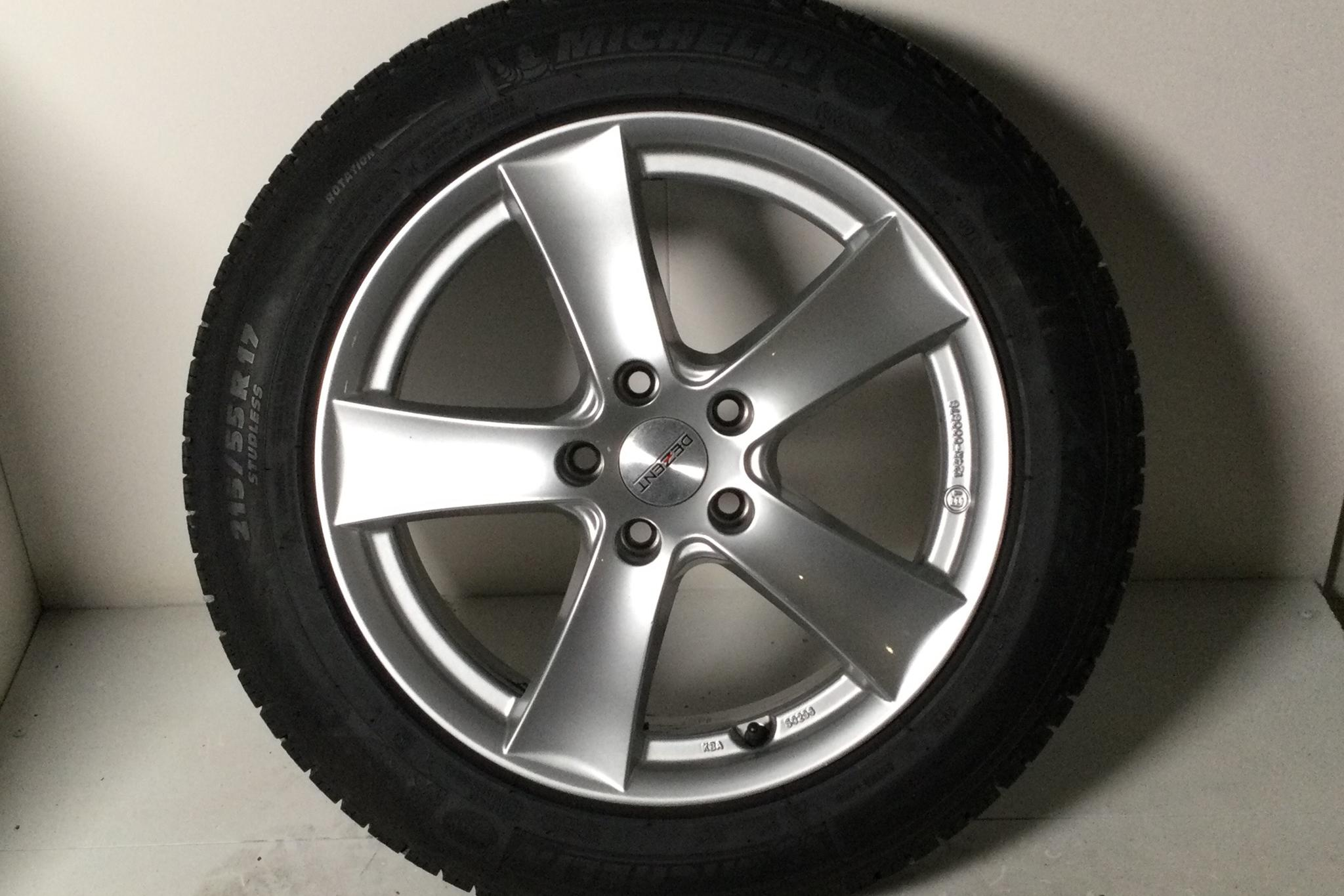 VW Passat 1.4 Plug-in-Hybrid Sportscombi (218hk) - 5 663 mil - Automat - silver - 2018