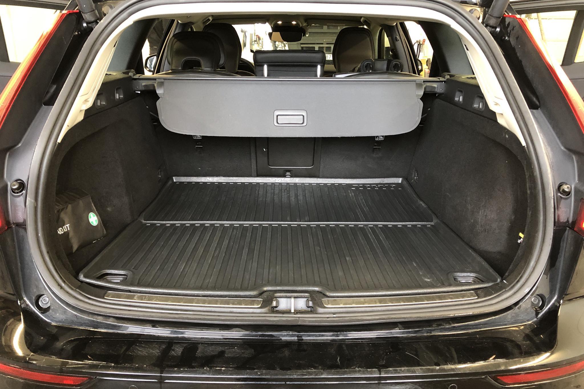 Volvo V60 D4 (190hk) - 10 150 mil - Automat - svart - 2019