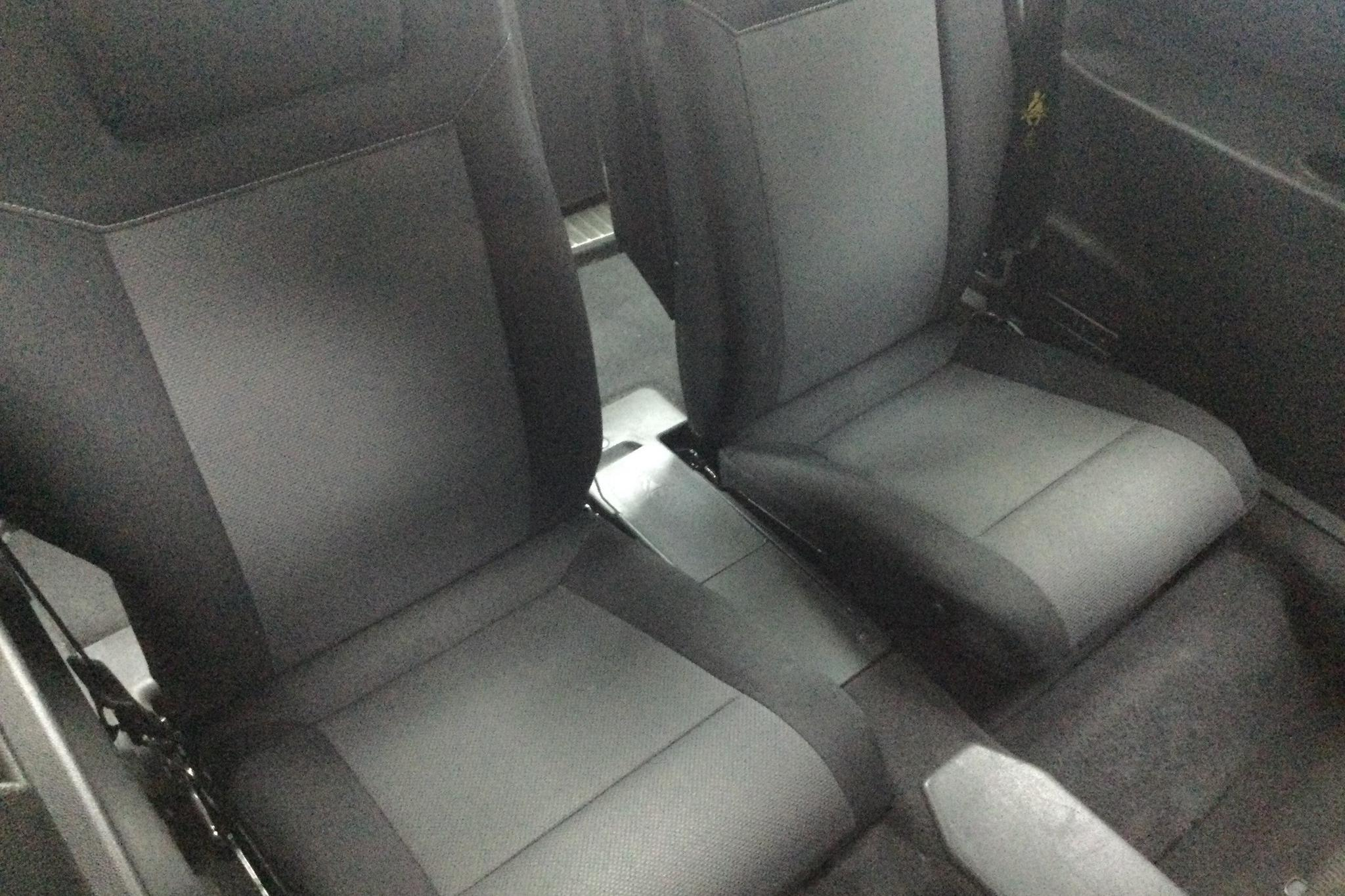 Opel Zafira II 2.2 (150hk) - 10 452 mil - Manuell - blå - 2006