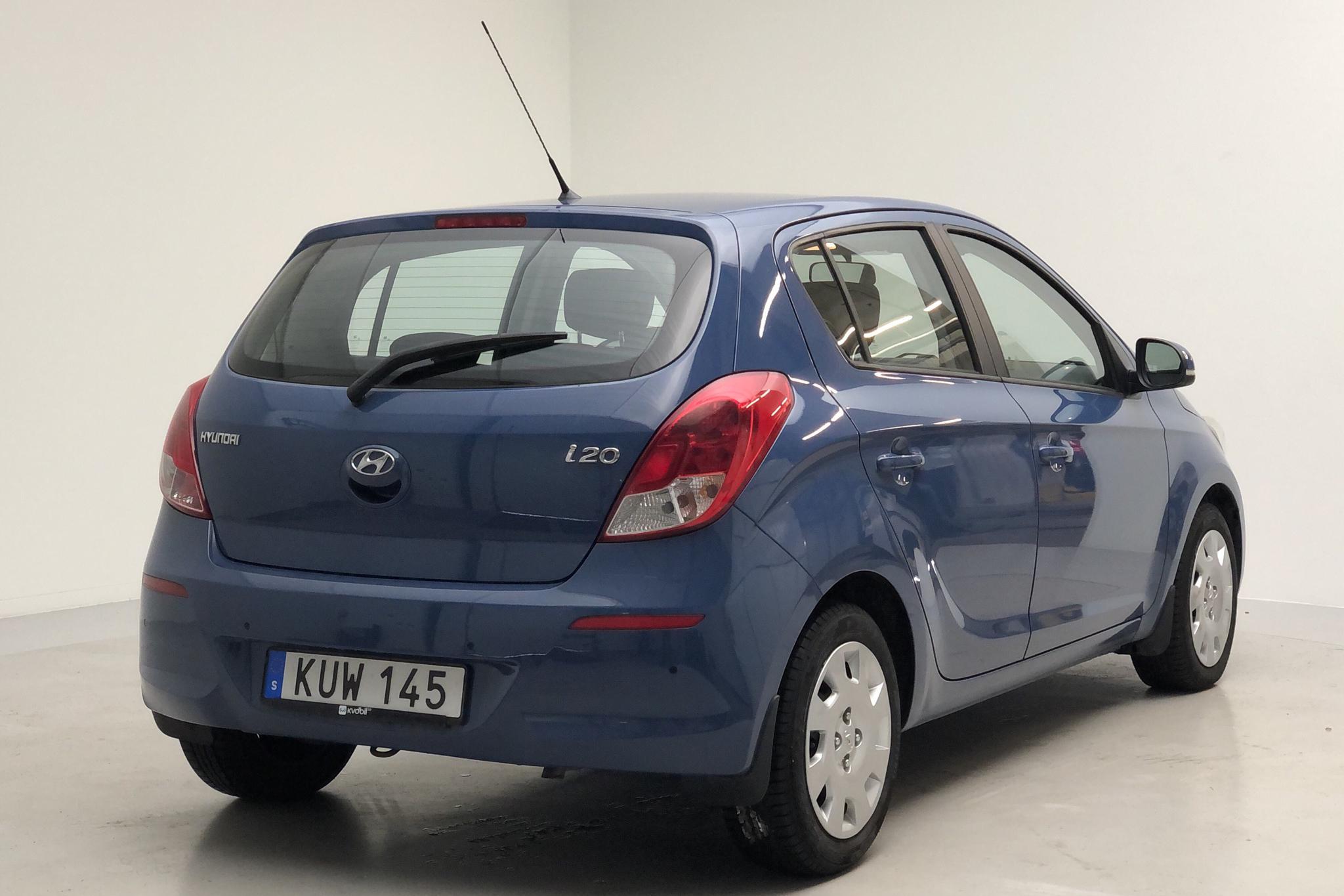Hyundai i20 1.2 (85hk) - 124 910 km - Manual - Light Blue - 2014