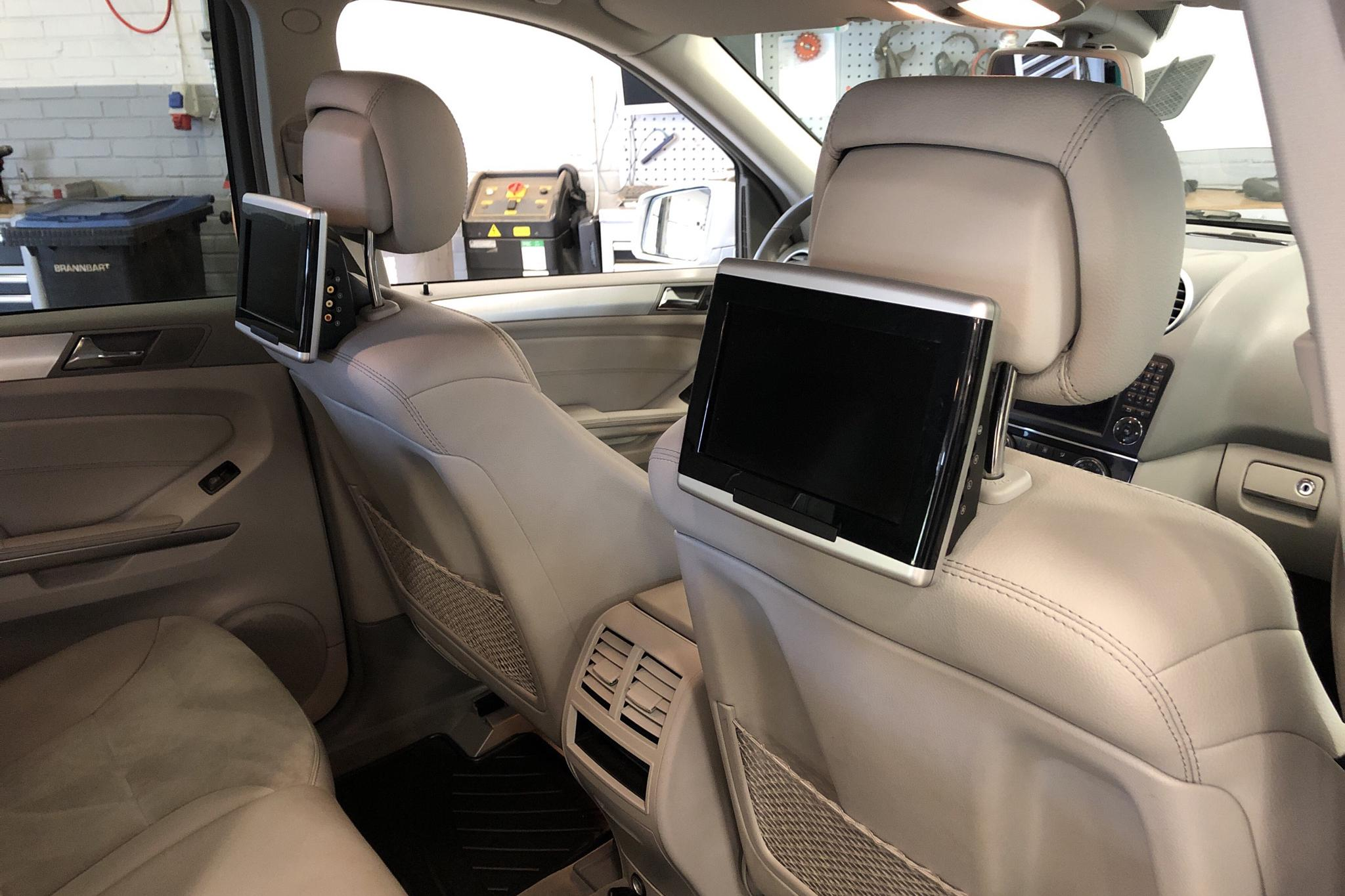 Mercedes ML 450 CDI (306hk) - 13 641 mil - Automat - silver - 2011