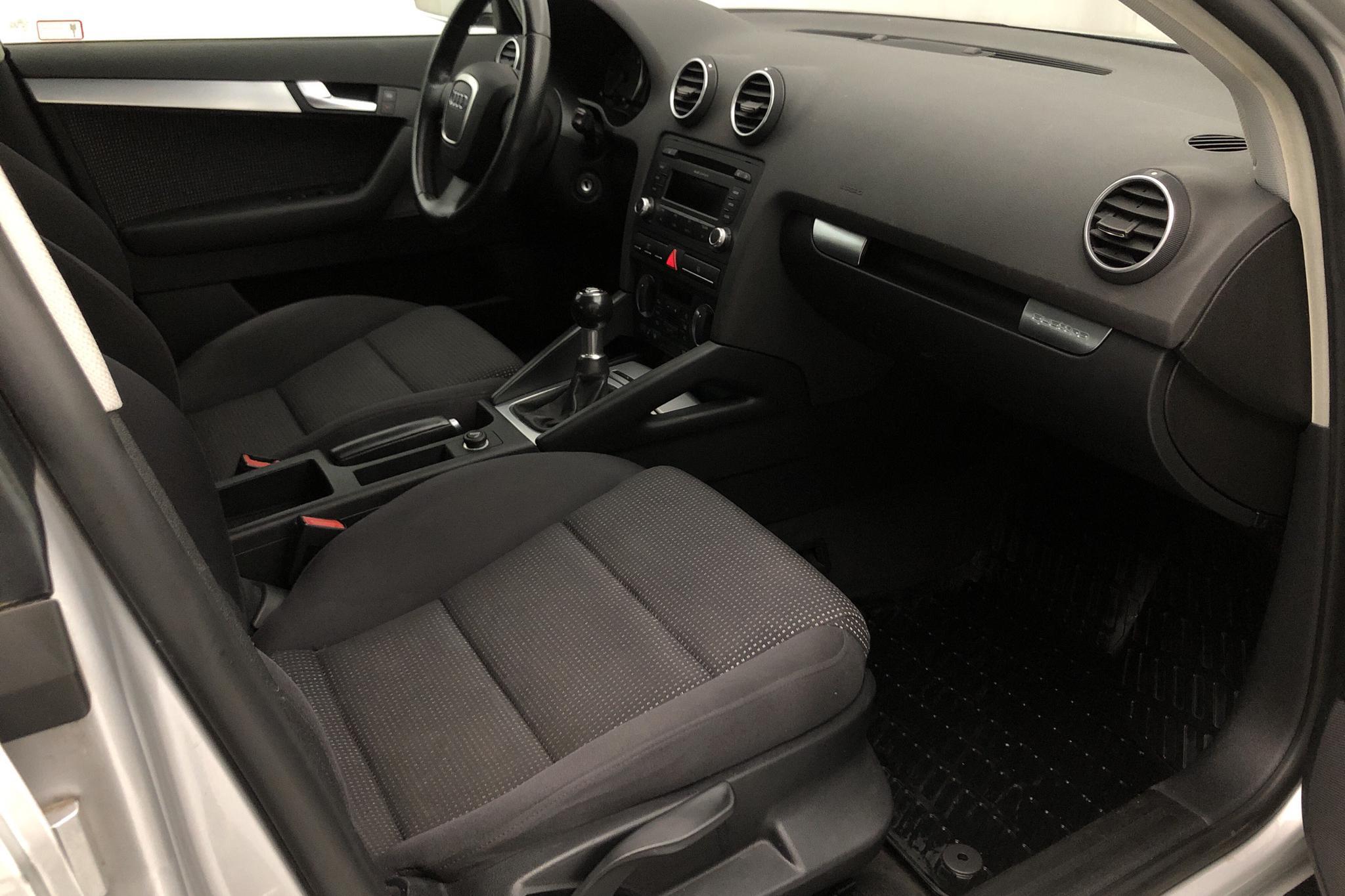 Audi A3 2.0 TDI Sportback quattro (170hk) - 151 410 km - Manual - silver - 2008
