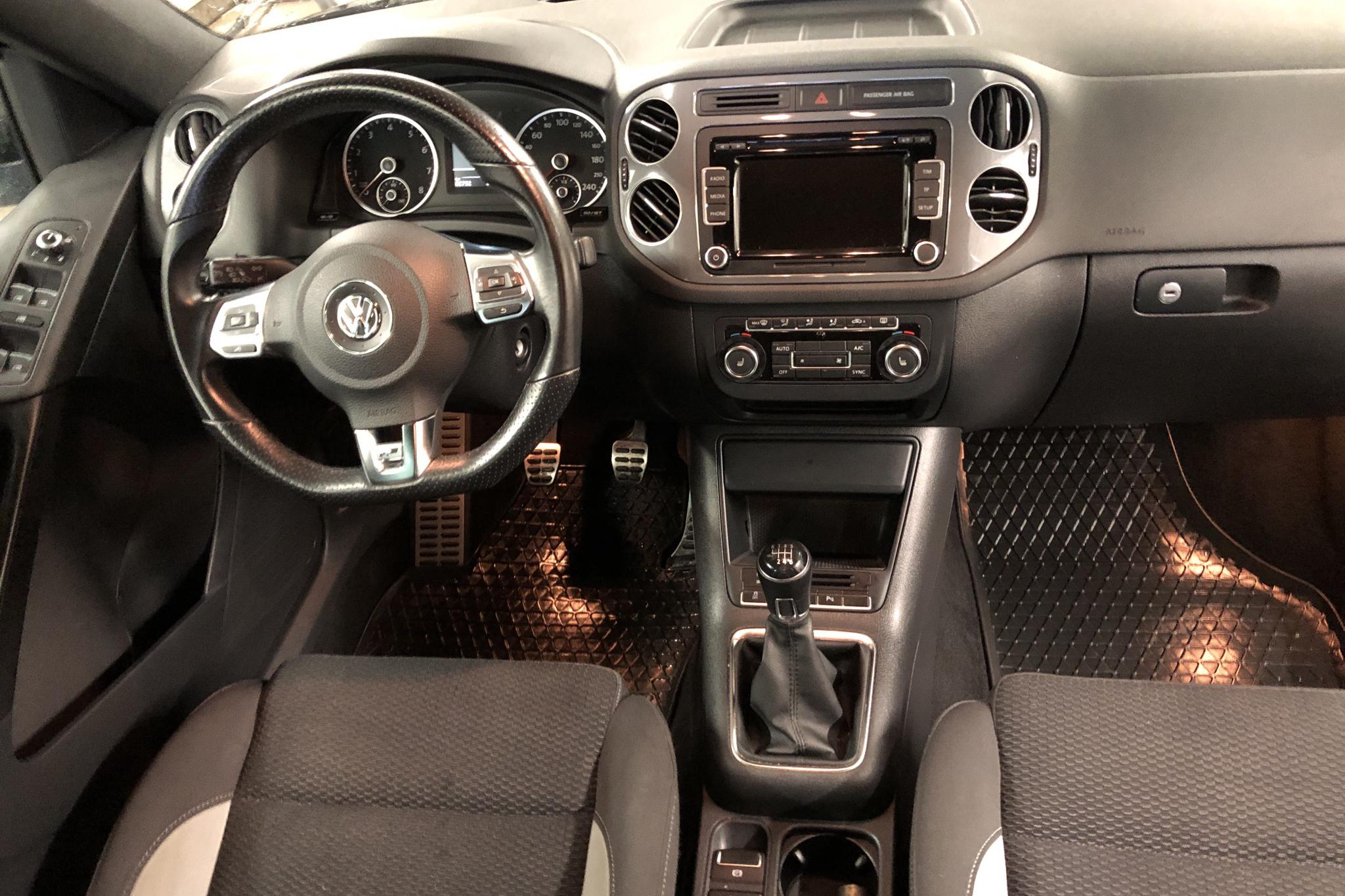 VW Tiguan 1.4 TSI 4MOTION (160hk) - 82 760 km - Manual - black - 2014
