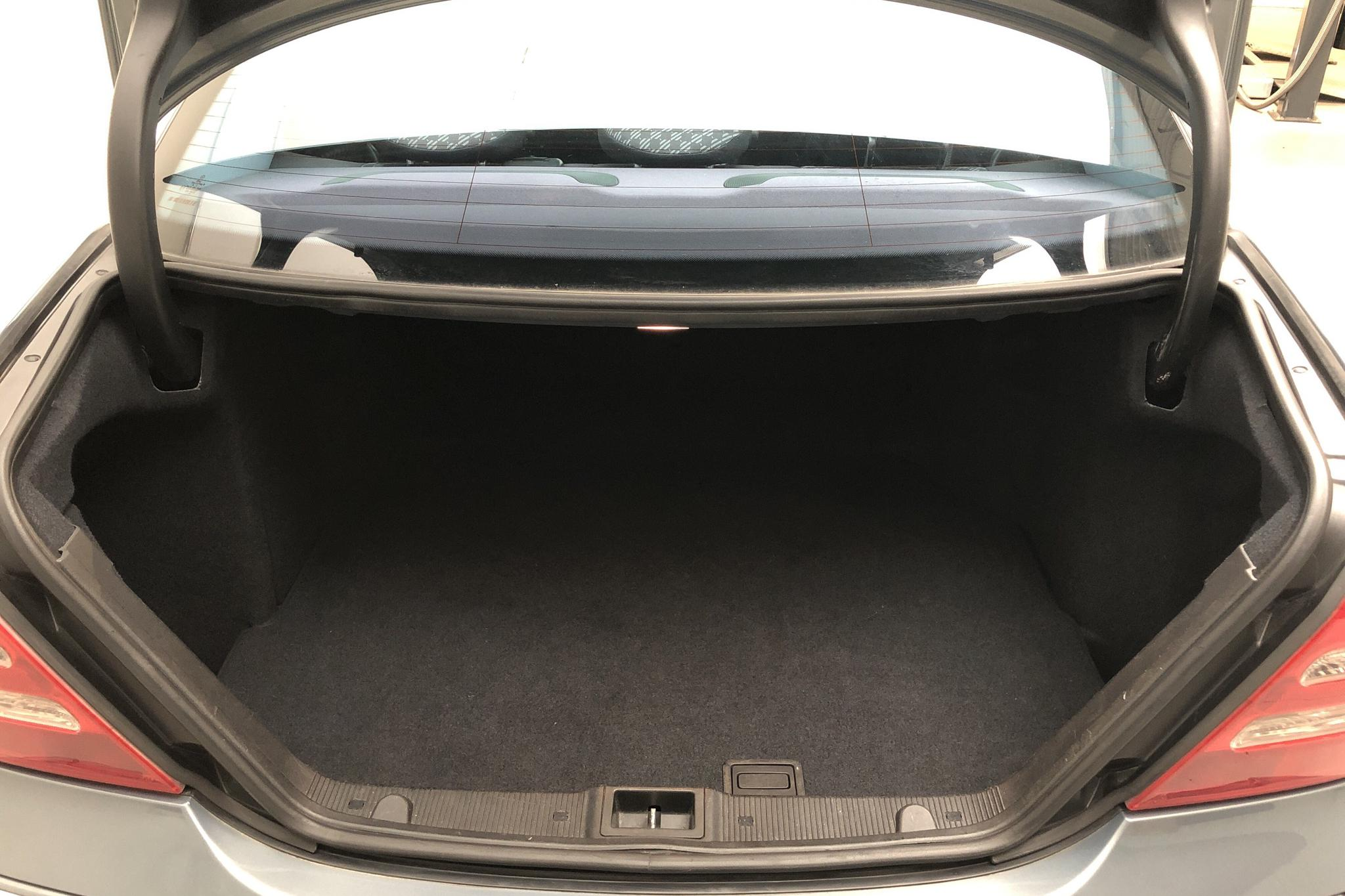 Mercedes C 180 Kompressor W203 (143hk) - 15 476 mil - Automat - grå - 2004