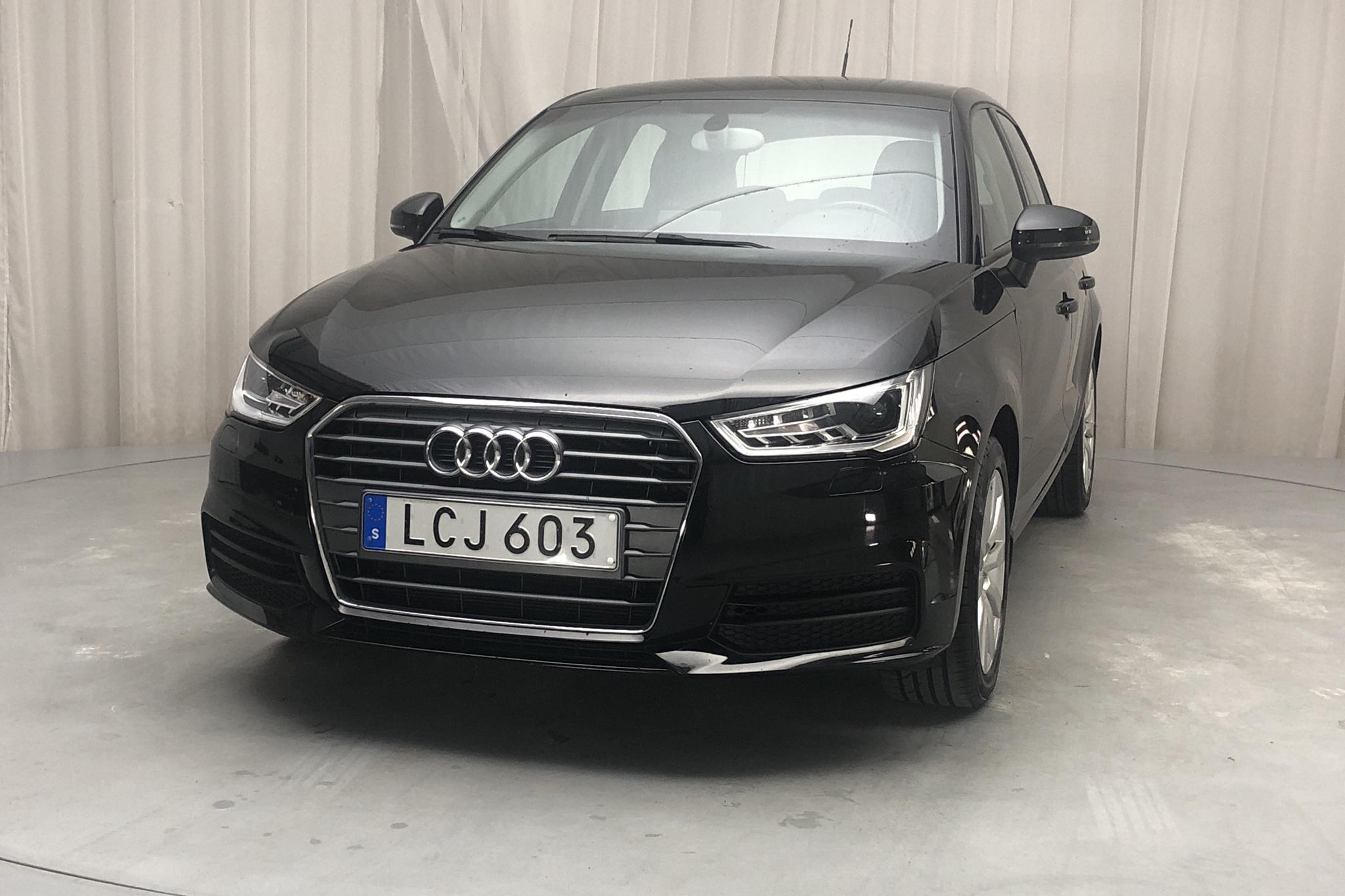 Audi A1 1.0 TFSI Sportback (95hk) - 5 088 mil - Manuell - svart - 2016