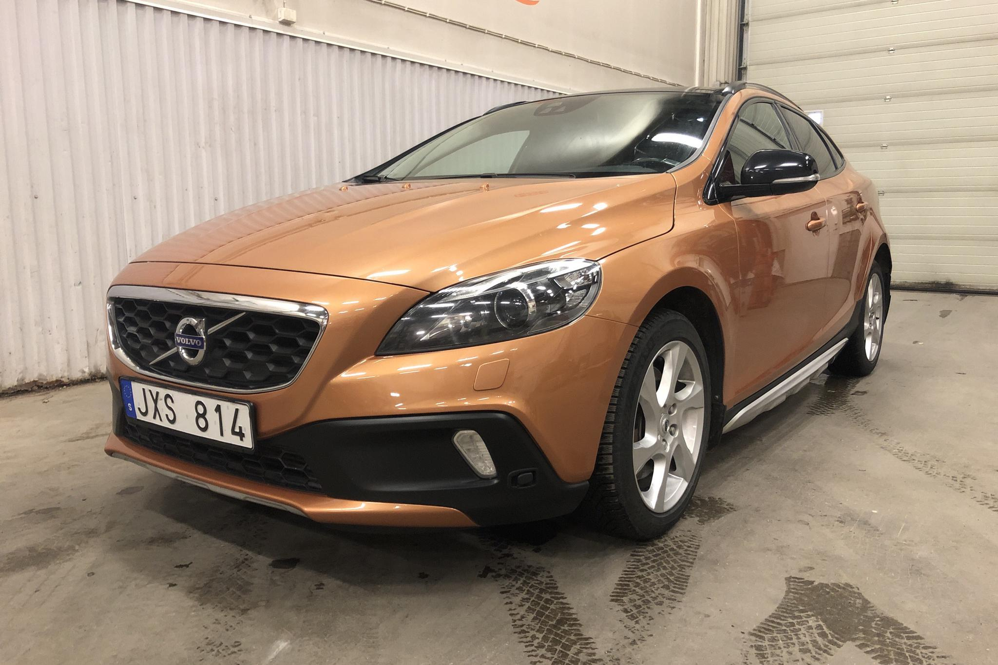 Volvo V40 Cross Country D4 (177hk) - 174 670 km - Automatic - brown - 2013